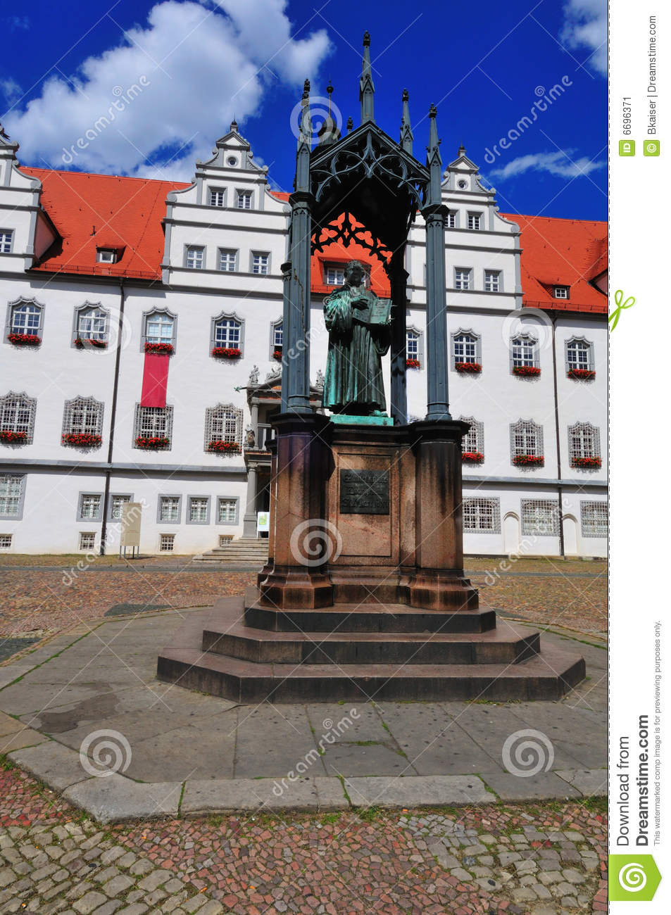 Wittenberg Luther statue
