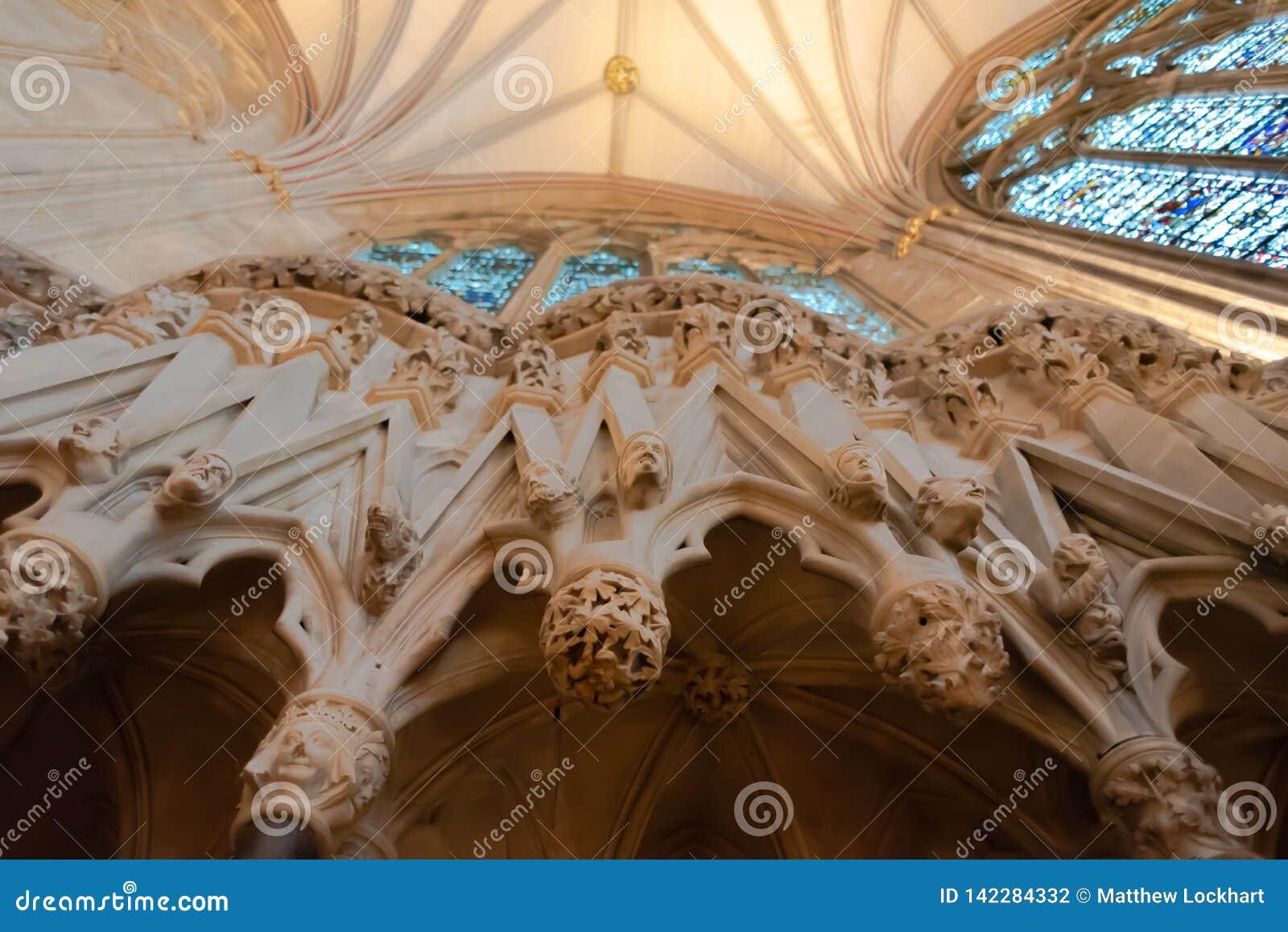 Wnętrze Canterbury katedra