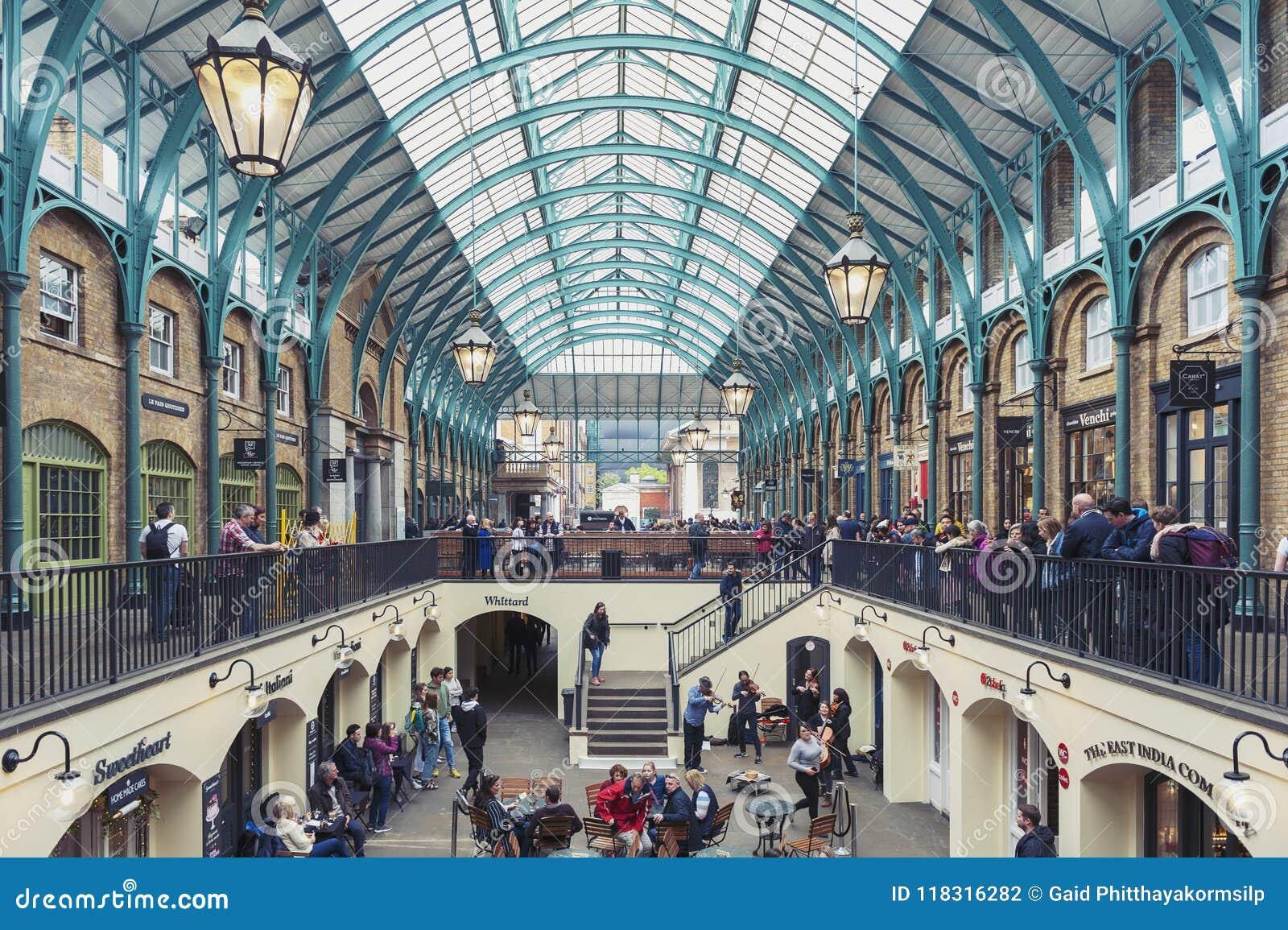 Wnętrze Covent ogródu rynek w Westminister mieście, Wielki Londyn