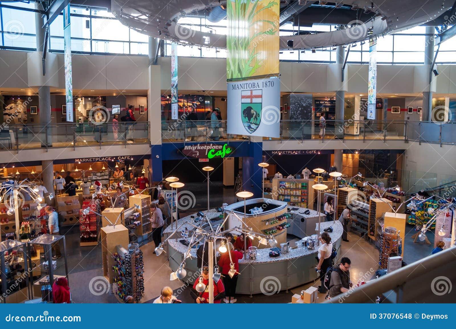 Download Wnętrze Pamiątkarskiego Sklepu CN Inside Wierza W Toronto Zdjęcie Stock Editorial - Obraz złożonej z intymny, klienci: 37076548
