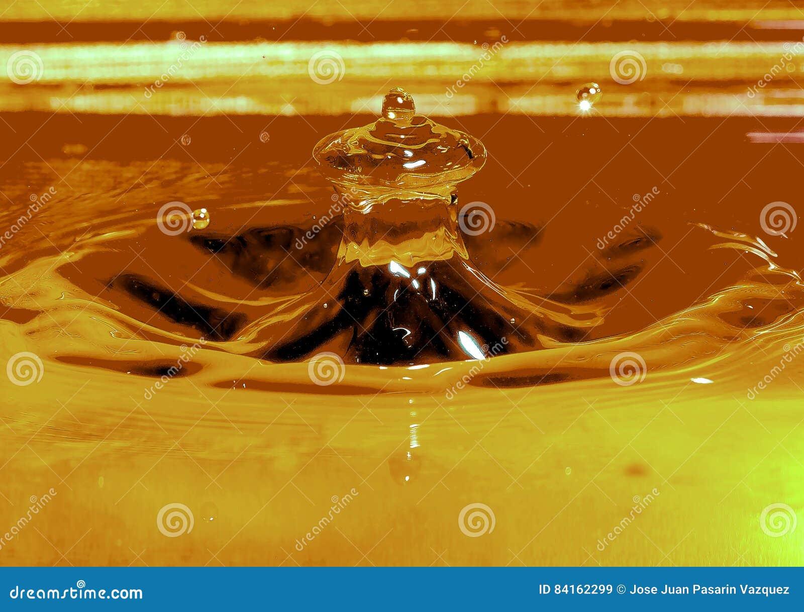 Wodna kropla i spalsh