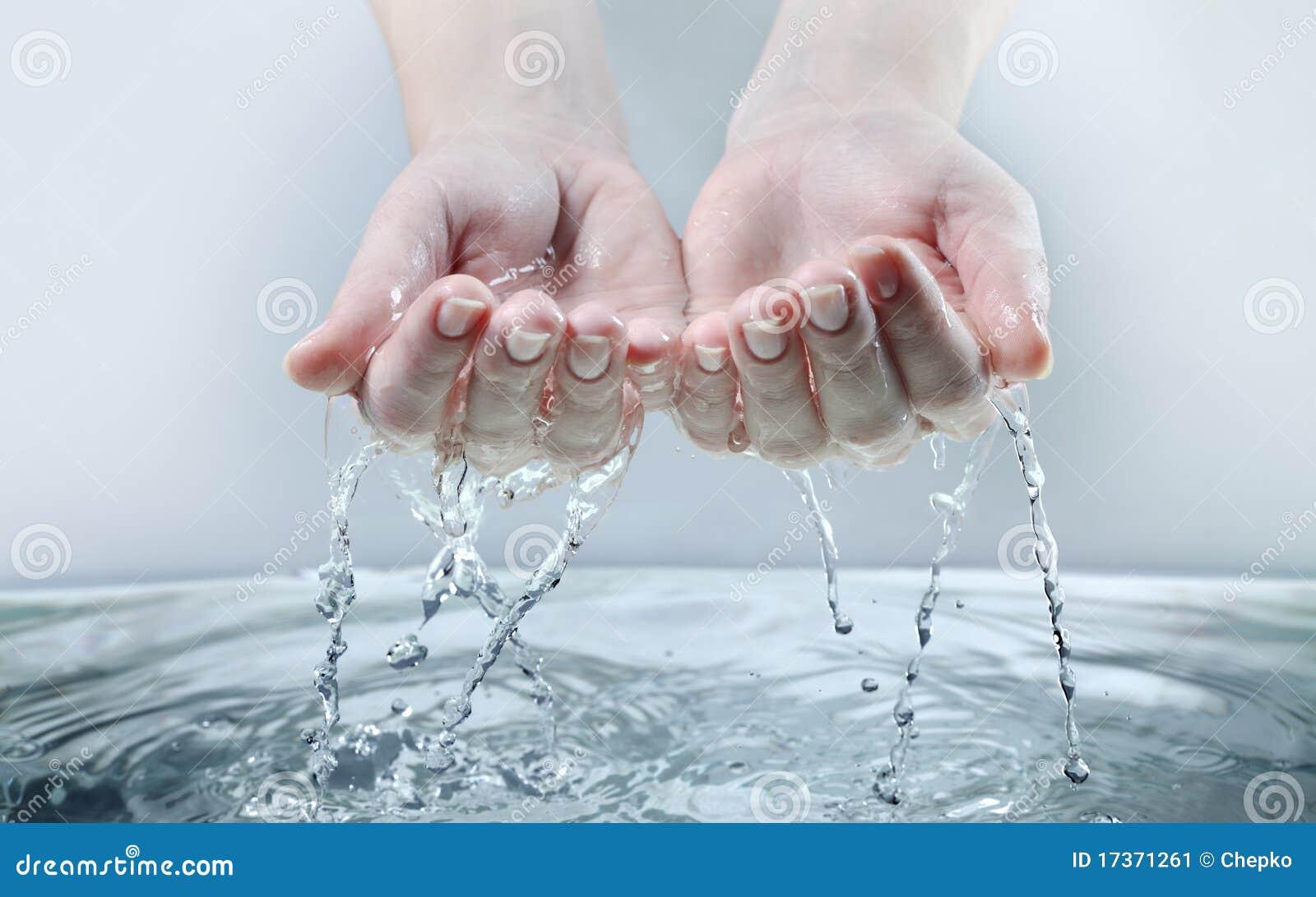 Wodna ręki kobieta