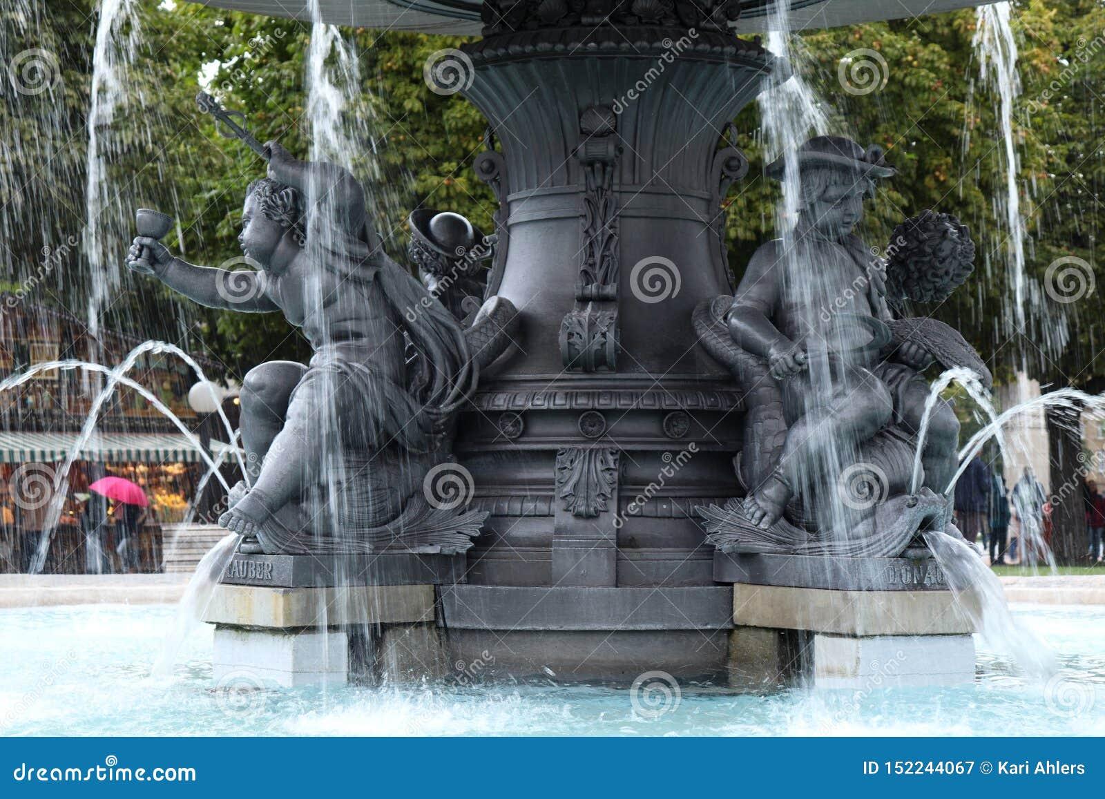 Wodnej fontanny opryskiwania woda w Niemcy