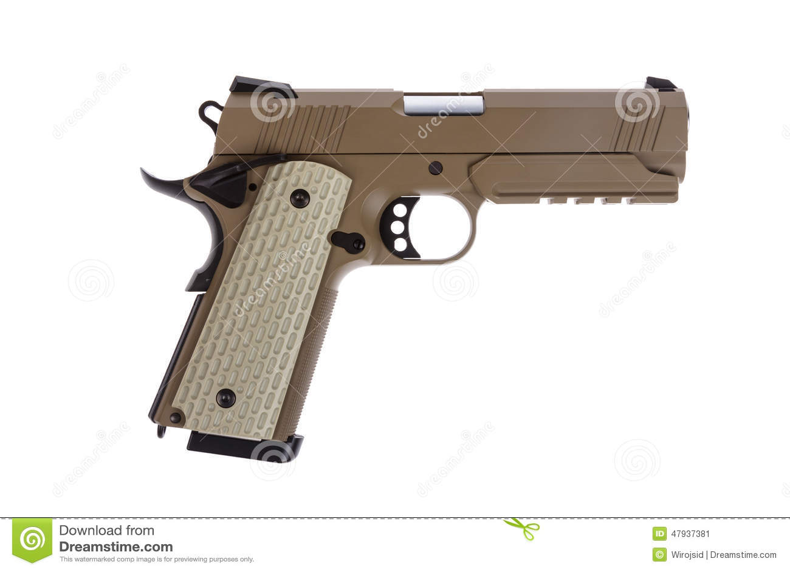 Woestijn tactisch pistool op witte achtergrond