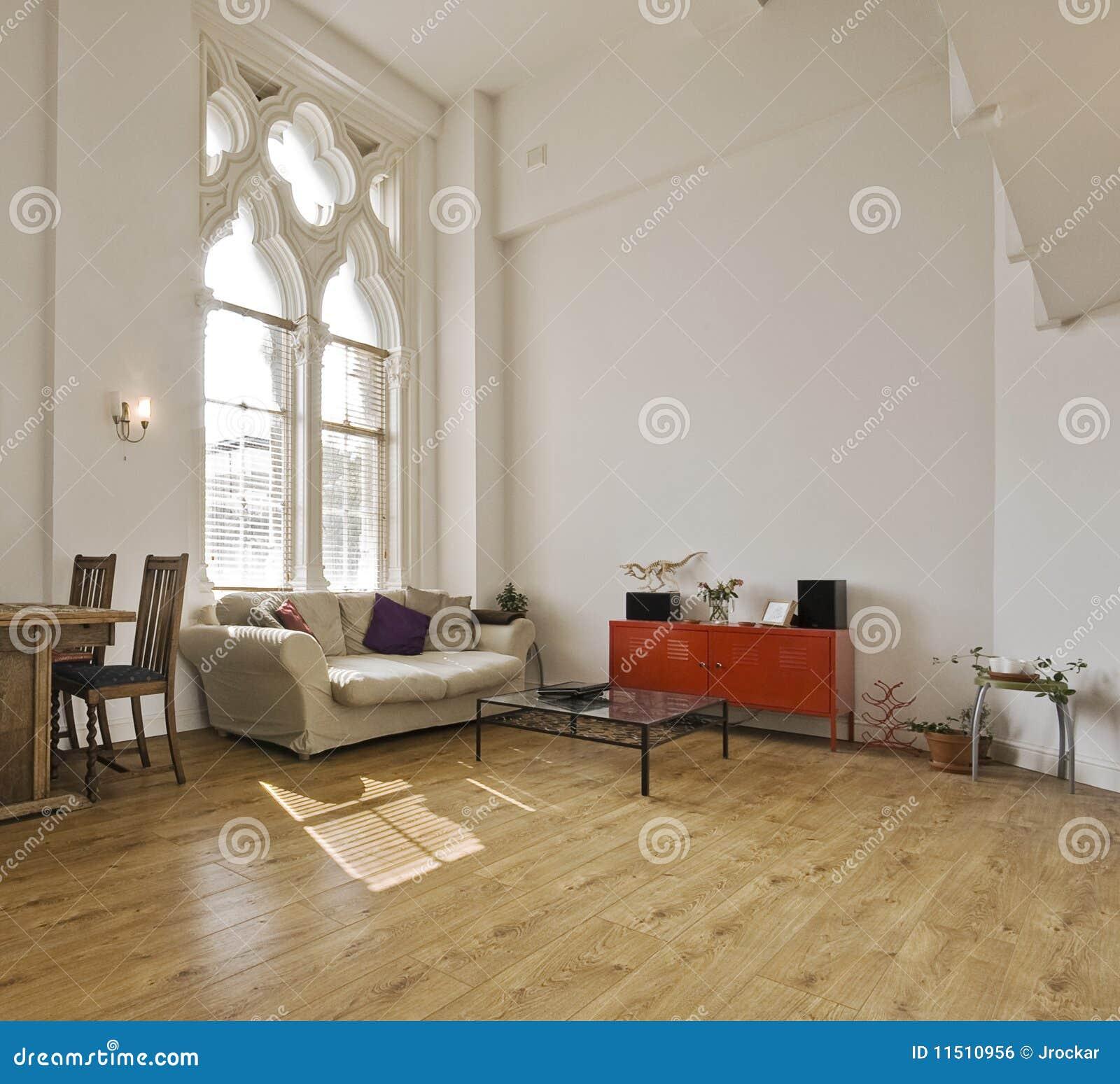 wohnung der hohen decke stockfoto bild von geschnitzt 11510956. Black Bedroom Furniture Sets. Home Design Ideas