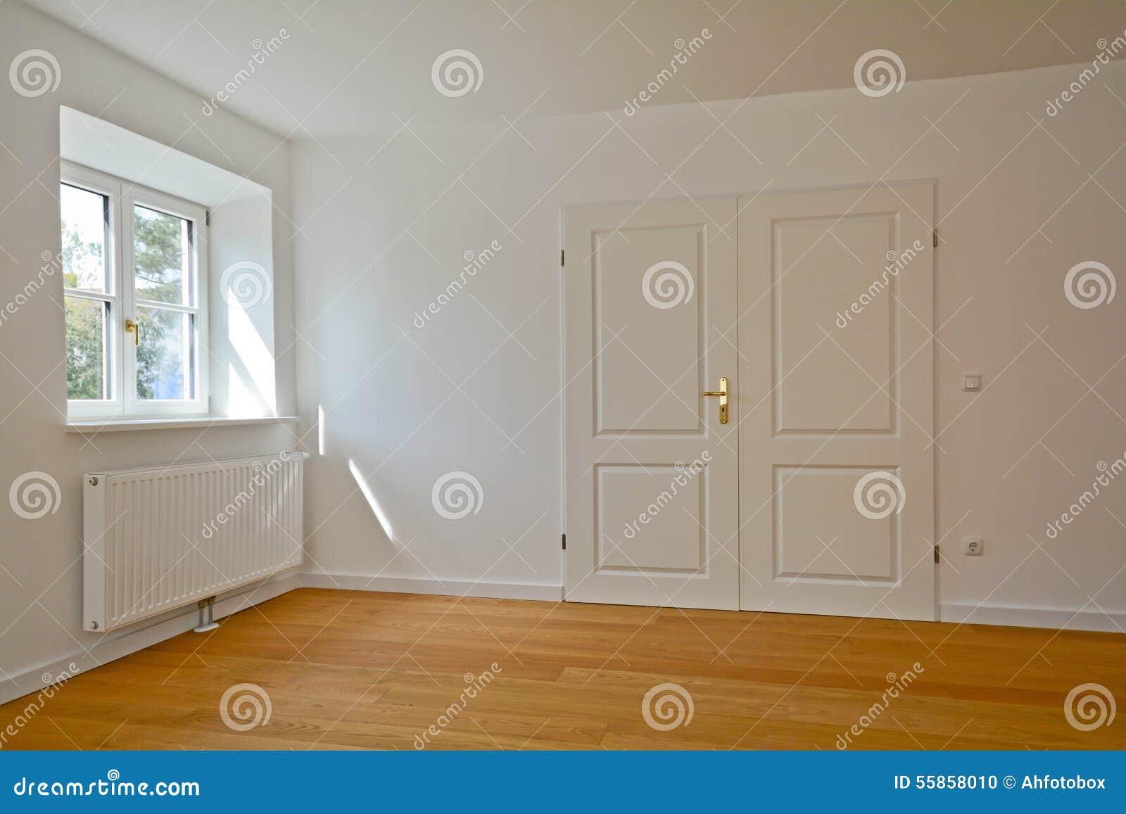Fußboden Erneuern Altbau ~ Wohnzimmer in einem altbau wohnung mit doppelter tür und parkett