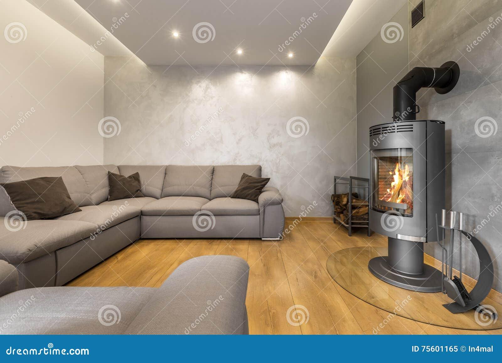 Wohnzimmer Für Große Familie Stockbild - Bild von feuer ...