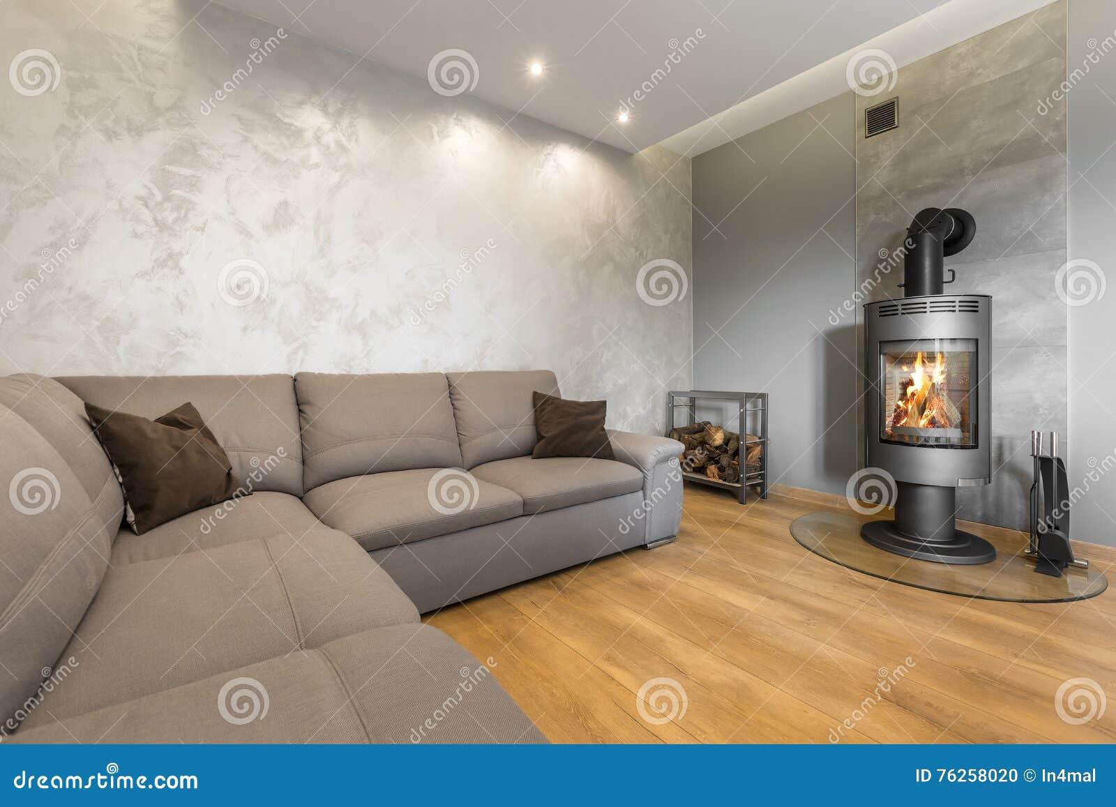 Wohnzimmer Mit Dekorativer Wandputzidee Stockfoto - Bild von brand ...