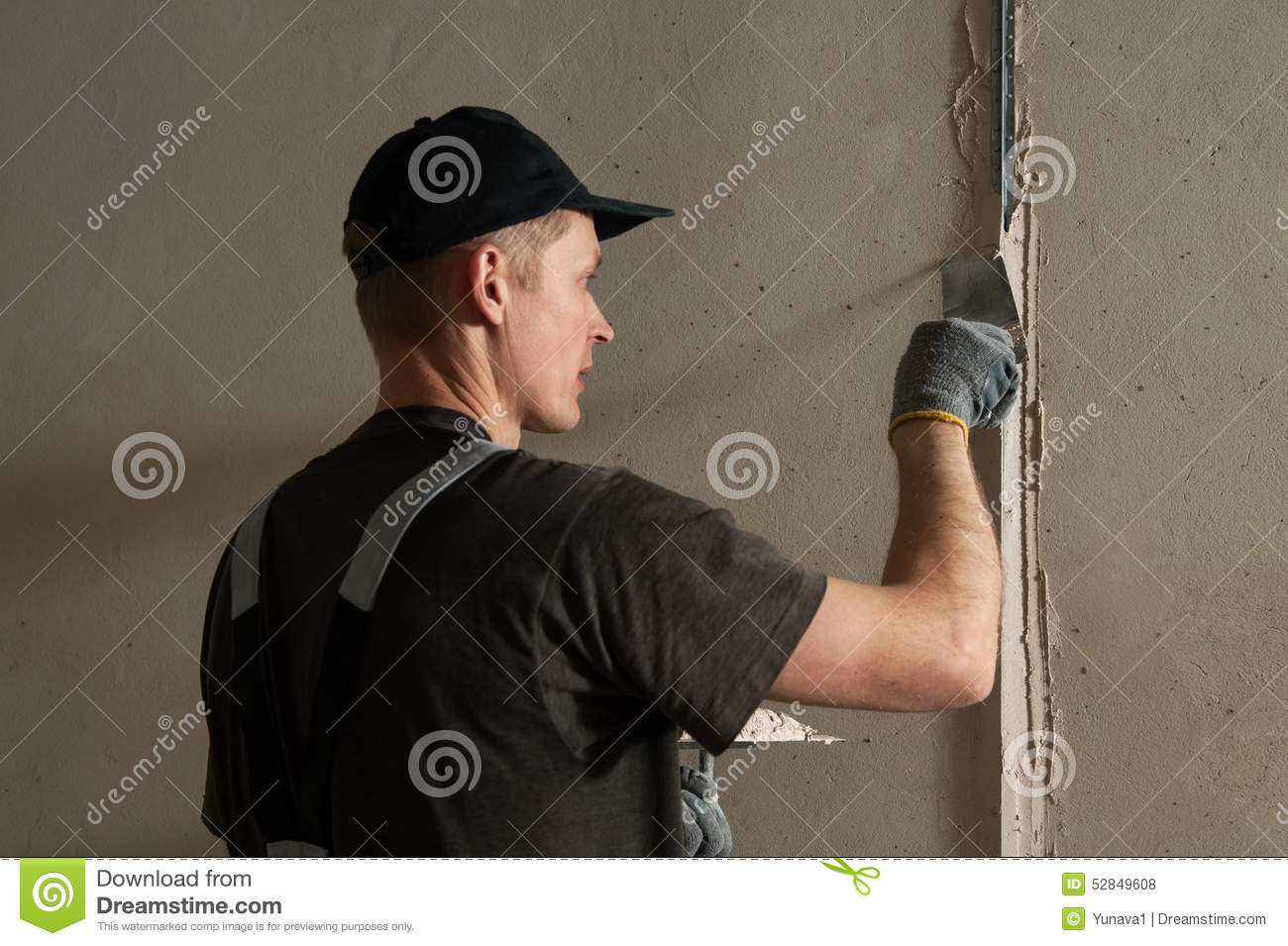 How to align the walls in the apartment 17