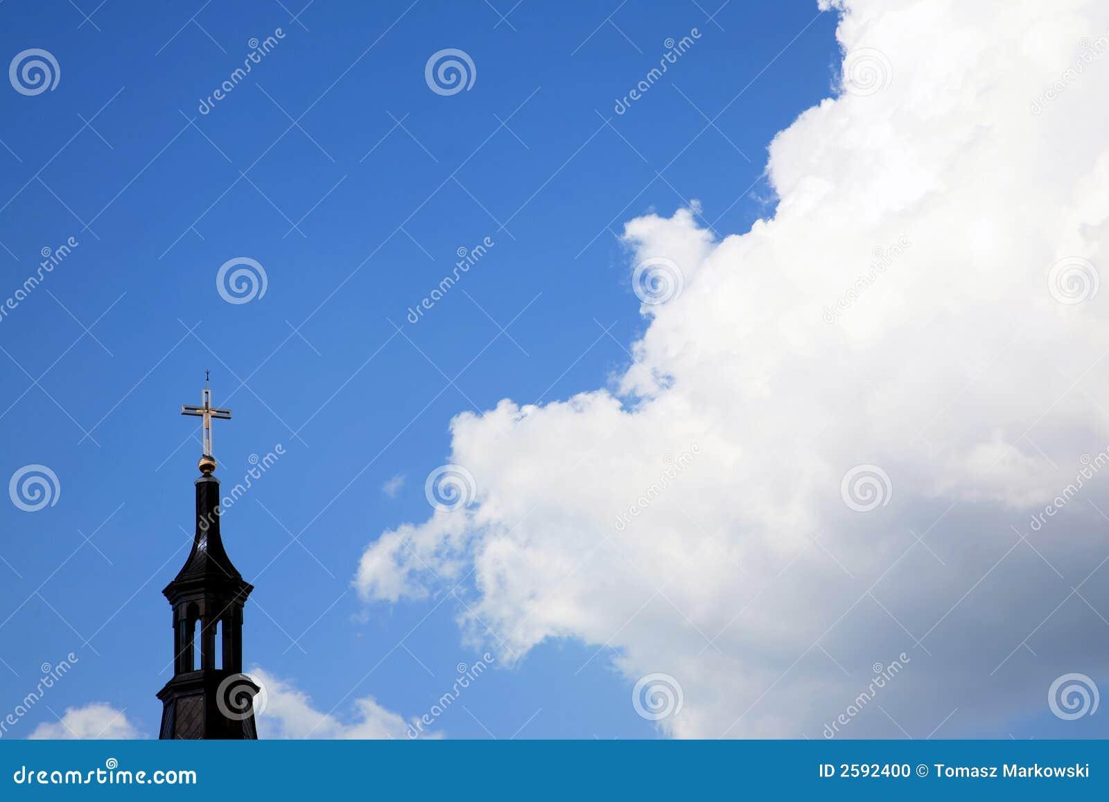 Wolken en kerk