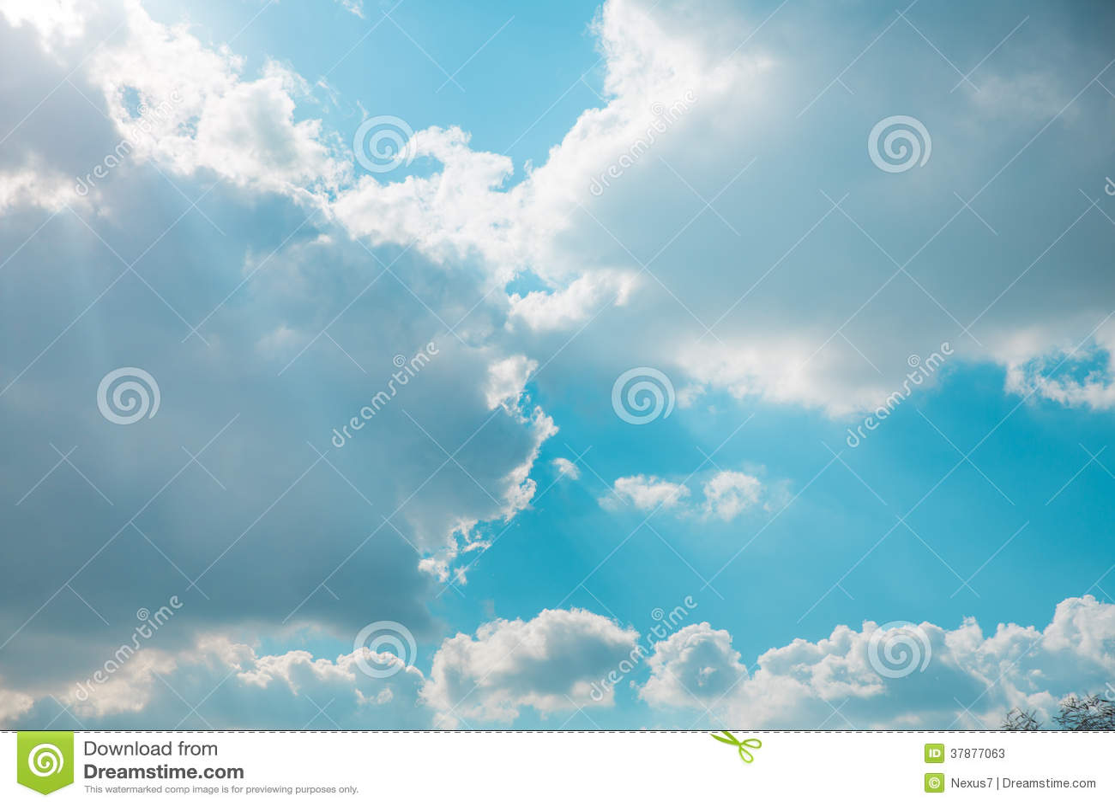 Wolken en Zon