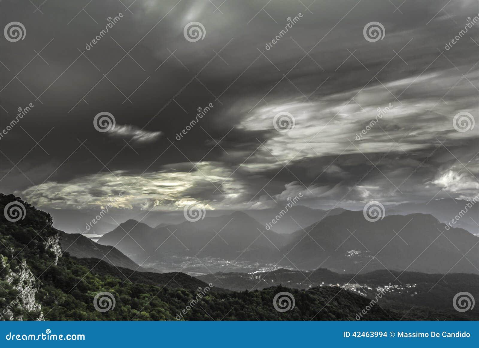 Wolken am Horizont, Campo-dei Fiori - Varese