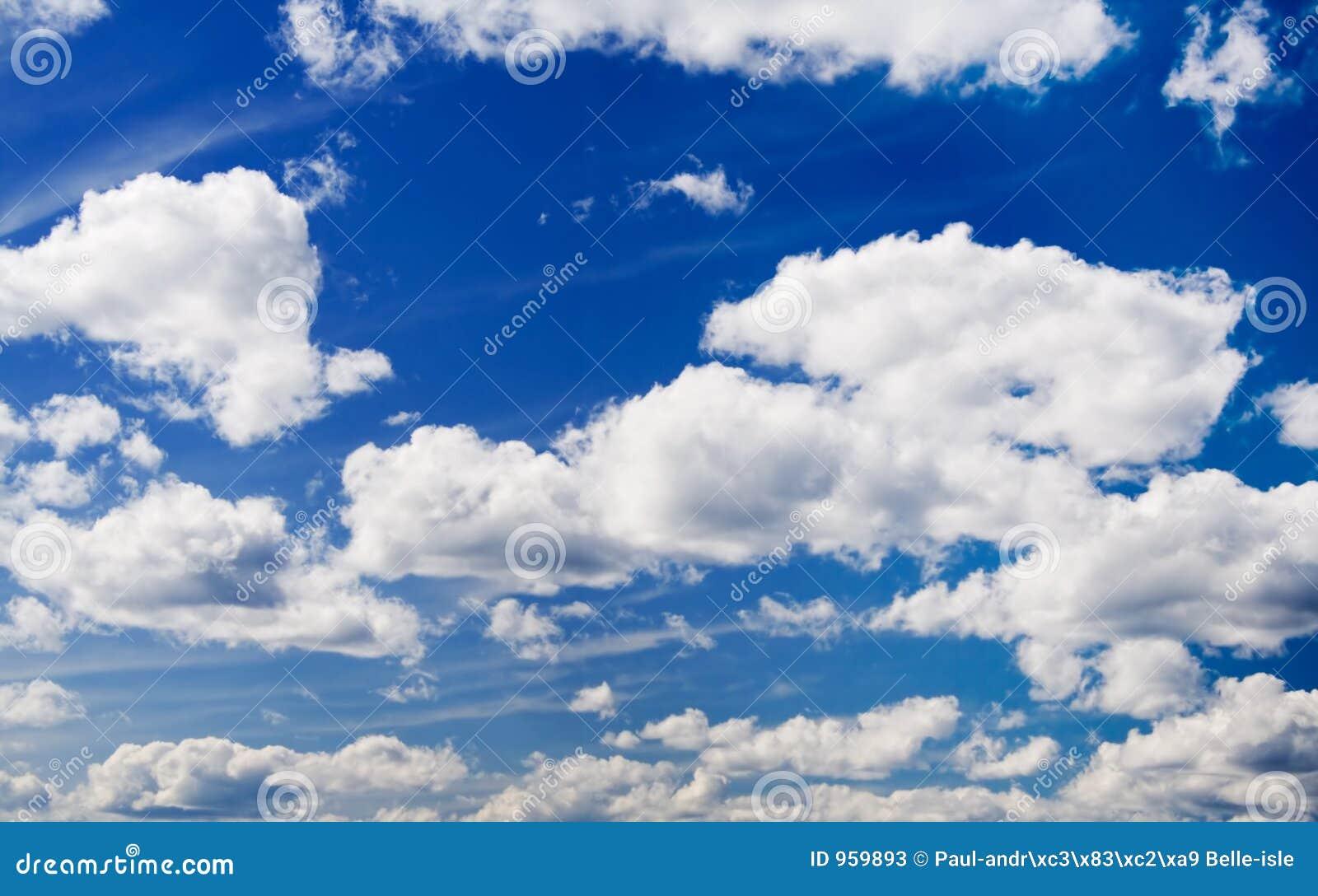 Wolken op hemel