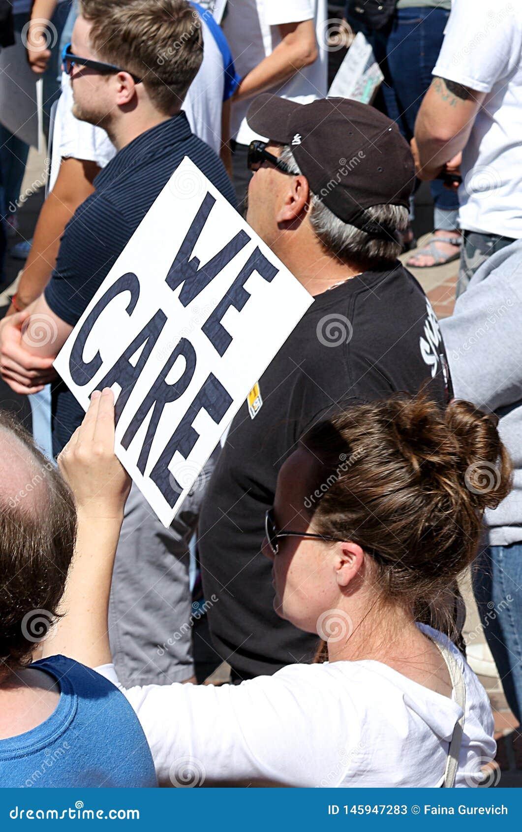 Wolność dla imigranta Mszalnego wiecu i Marzec w Denver