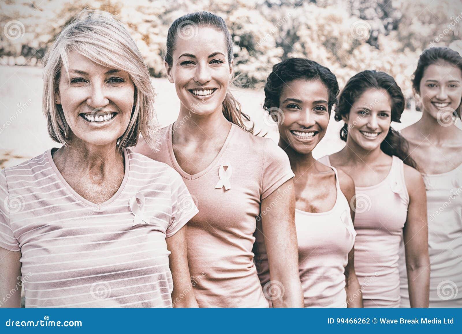 Wolontariuszi uczestniczy w nowotwór piersi świadomości