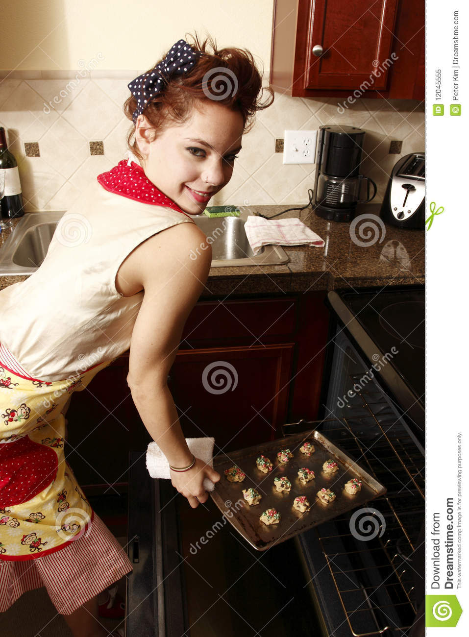 Woman Baking Cookies Stock Image Image Of Lady Fashion