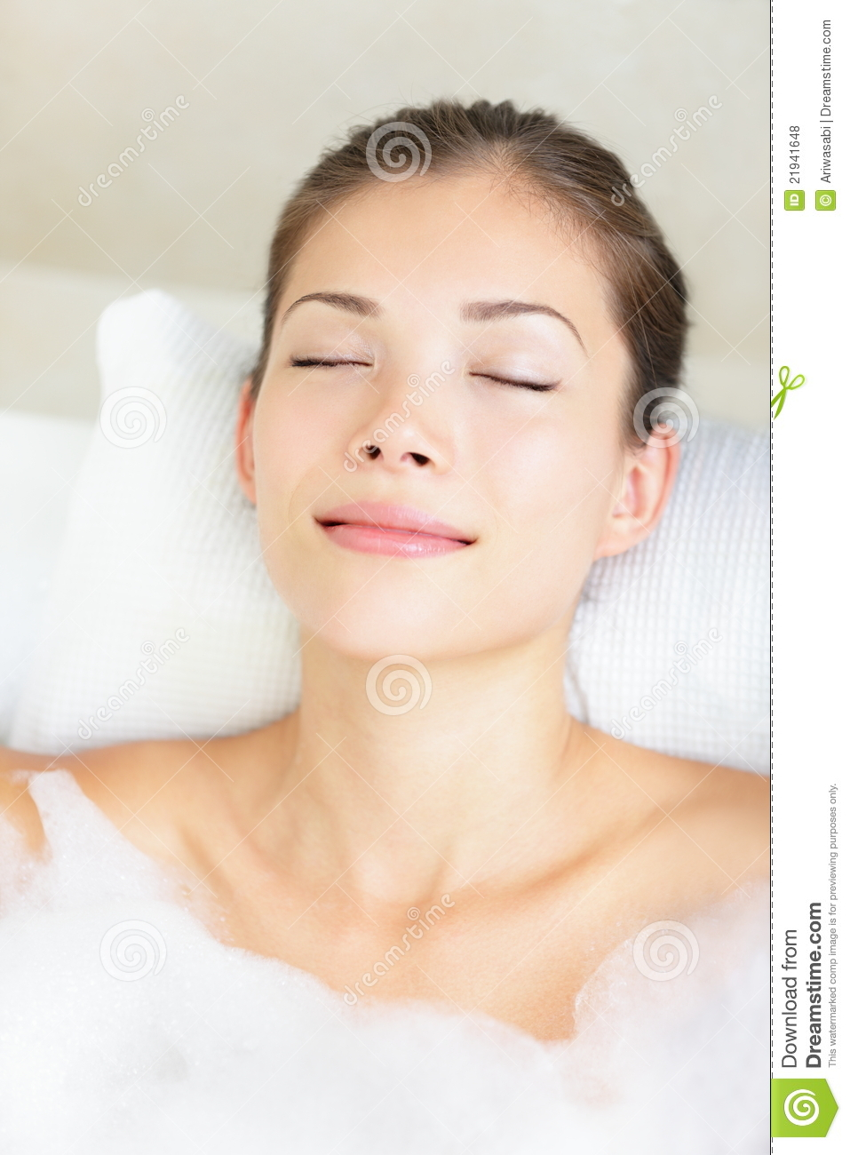 Woman In Bath Relaxing Royalty Free Stock Photos Image