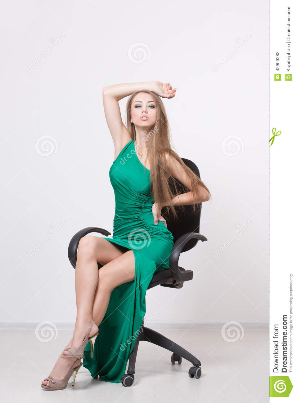 03b792668 Woman In Beauty Fashion Green Dress Stock Image - Image of evening ...