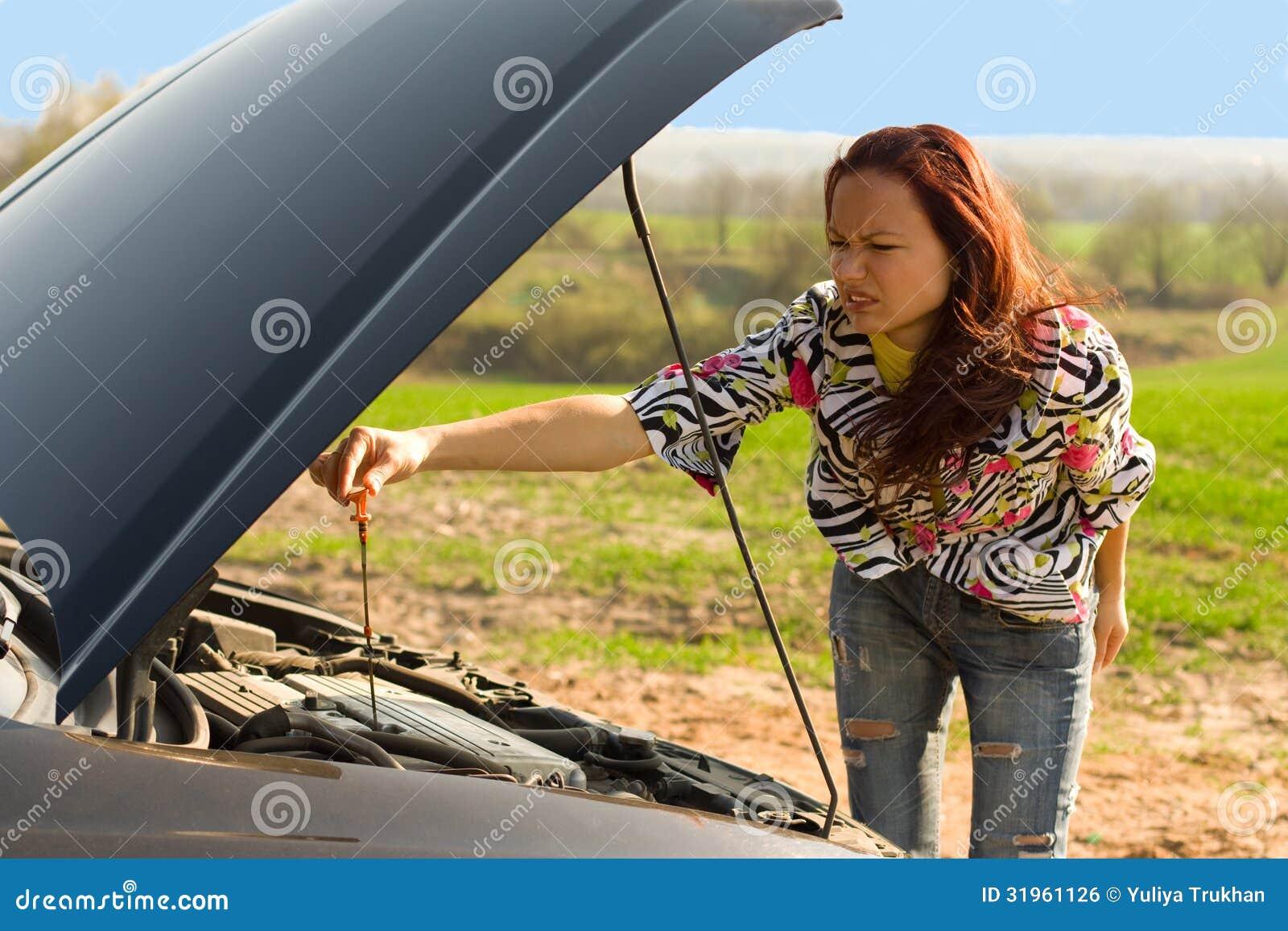 teen bend over car