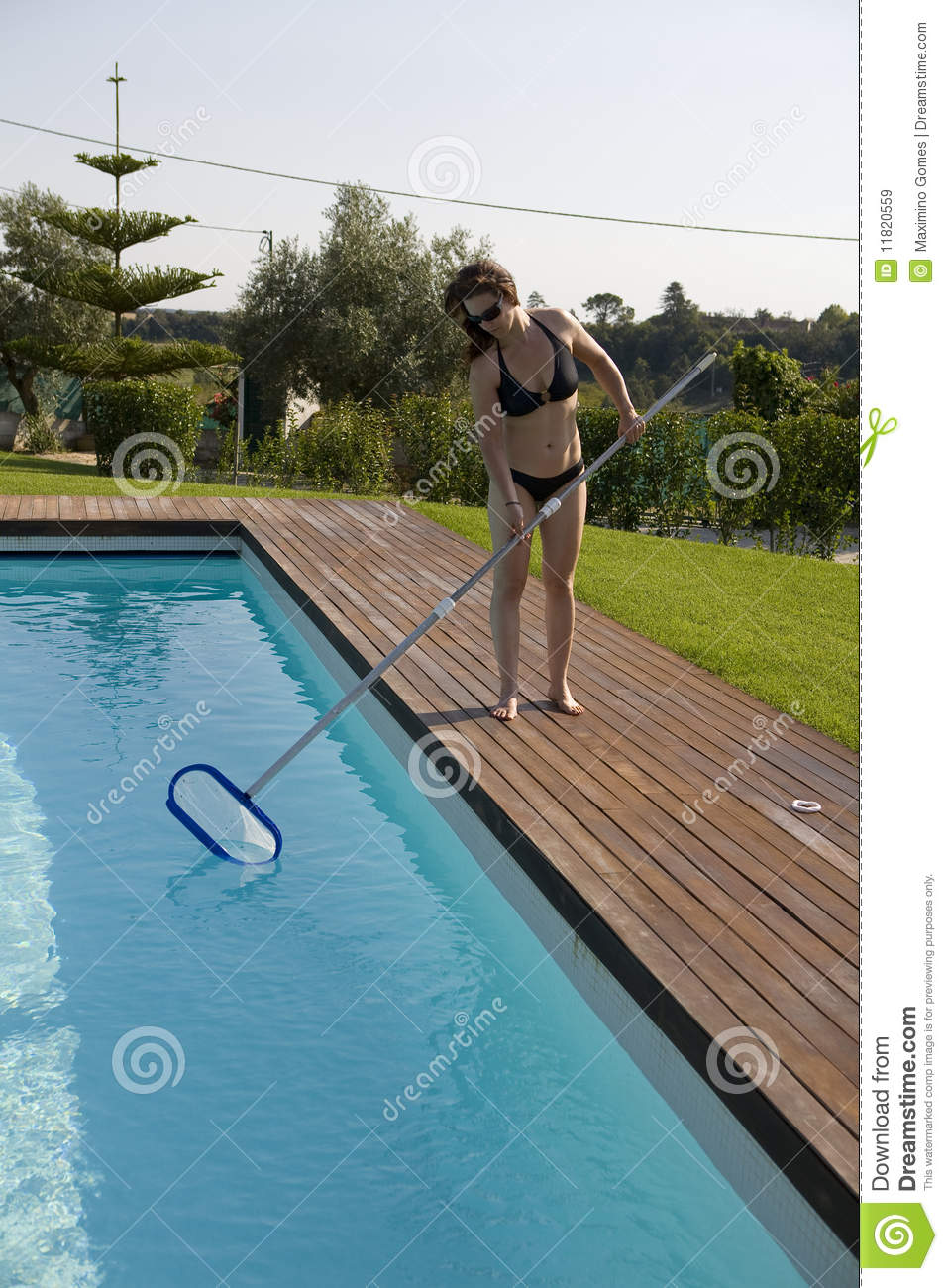 Woman Cleaning The Pool Royalty Free Stock Images Image