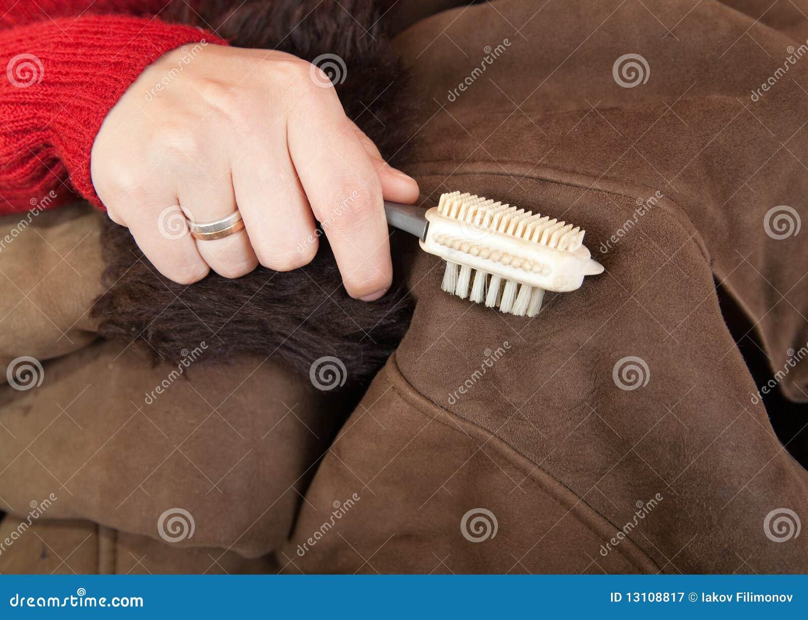 Как почистить белый мех в домашних условиях от грязи