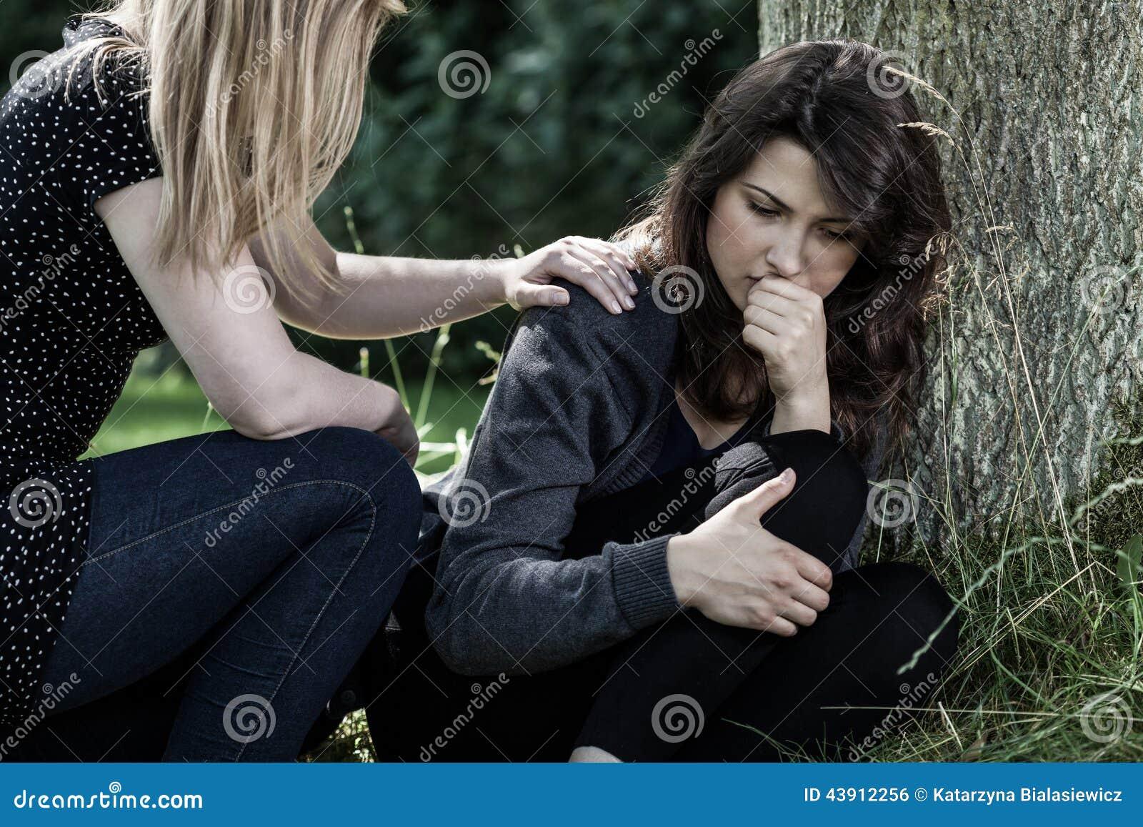 Русская утешила подругу 10 фотография
