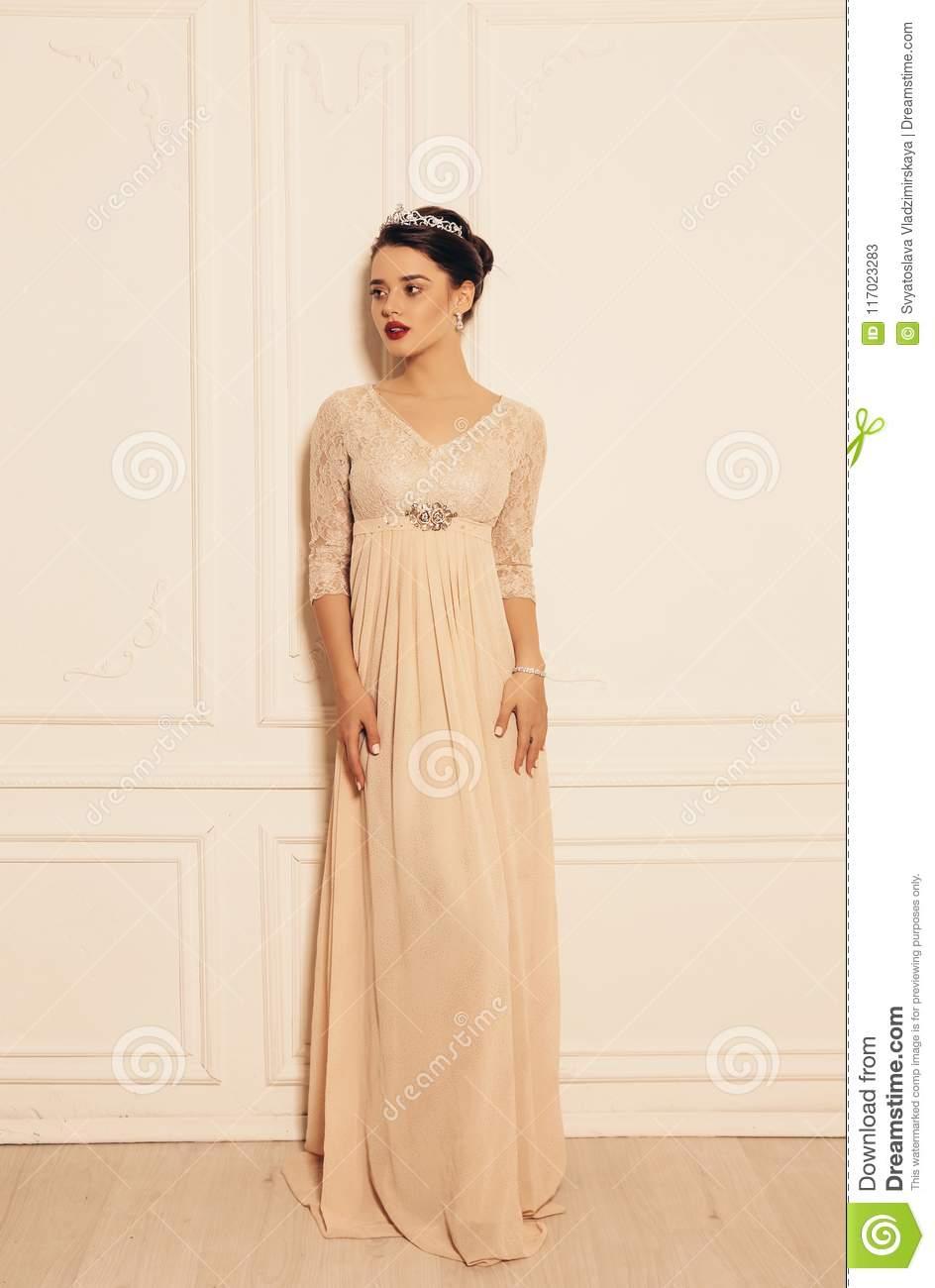 Woman With Dark Hair And Perfect Glowing Skin In Elegant Dress Stock Image Image Of Long Beautiful 117023283