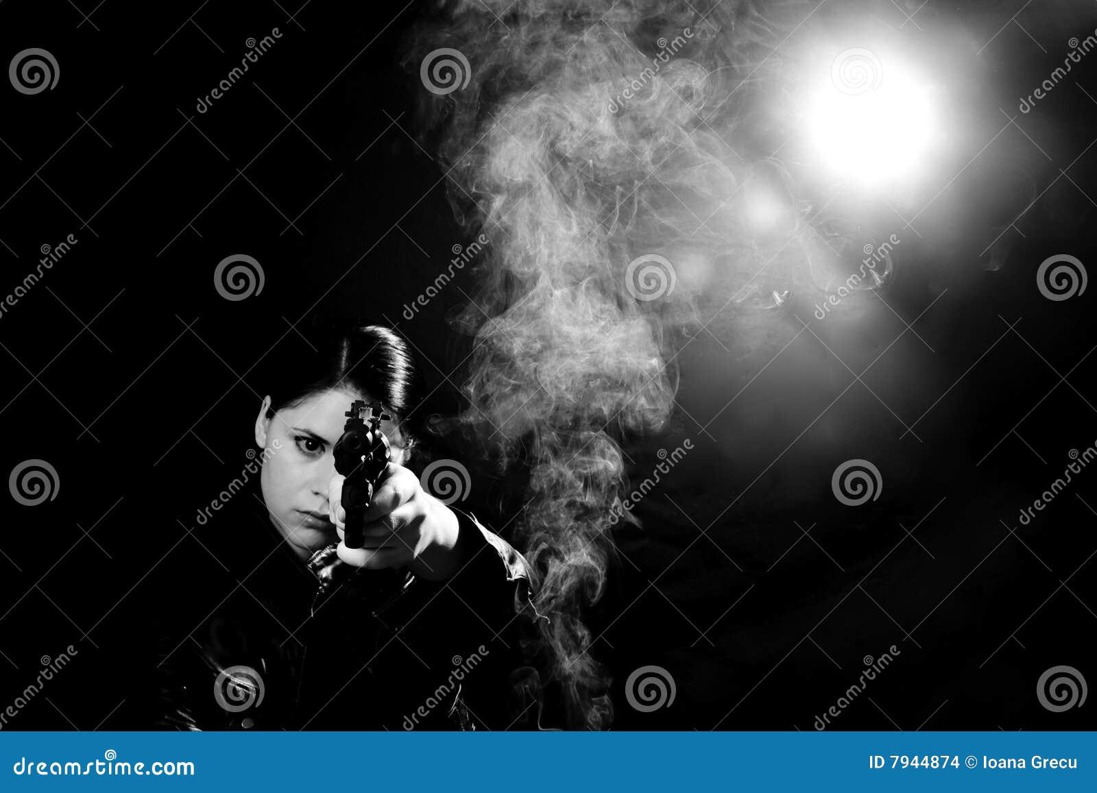 Woman detective with a gun