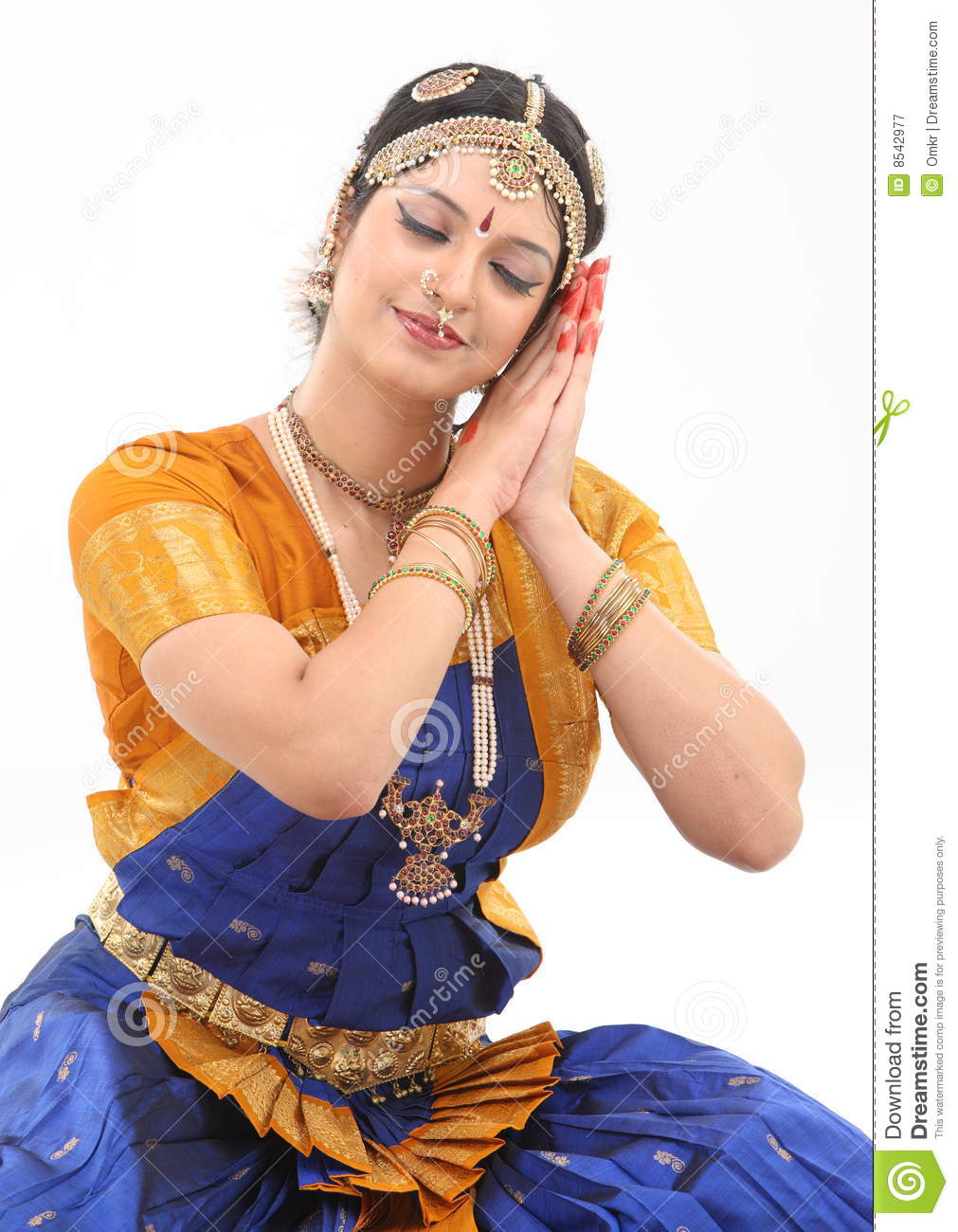 Woman doing the posture in dance