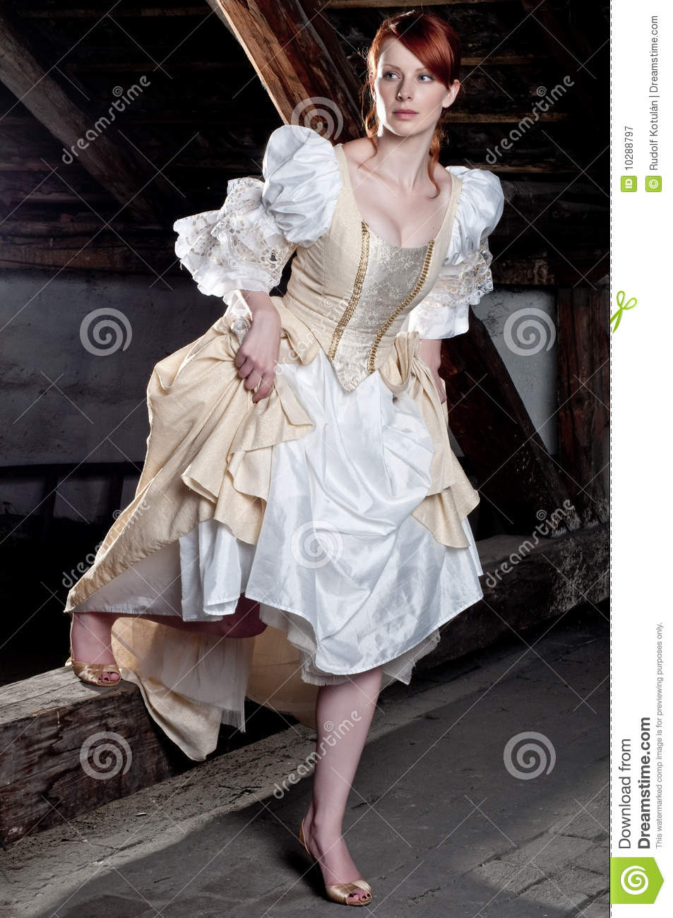 Brilliant  Several Other Women Who Were Dressed Up To The Nines For The Occasion