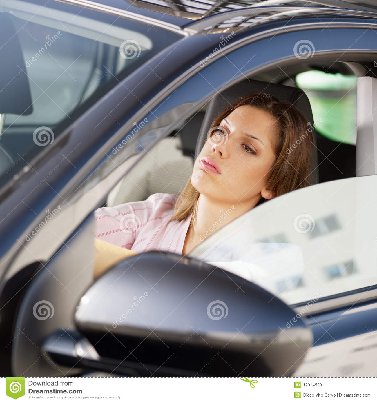 A woman driven to despair by a cock 1