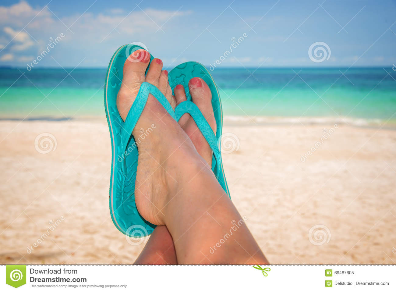 2085e3e711fe5 Legs Feet Selfie Beach Stock Images - Download 139 Royalty Free Photos