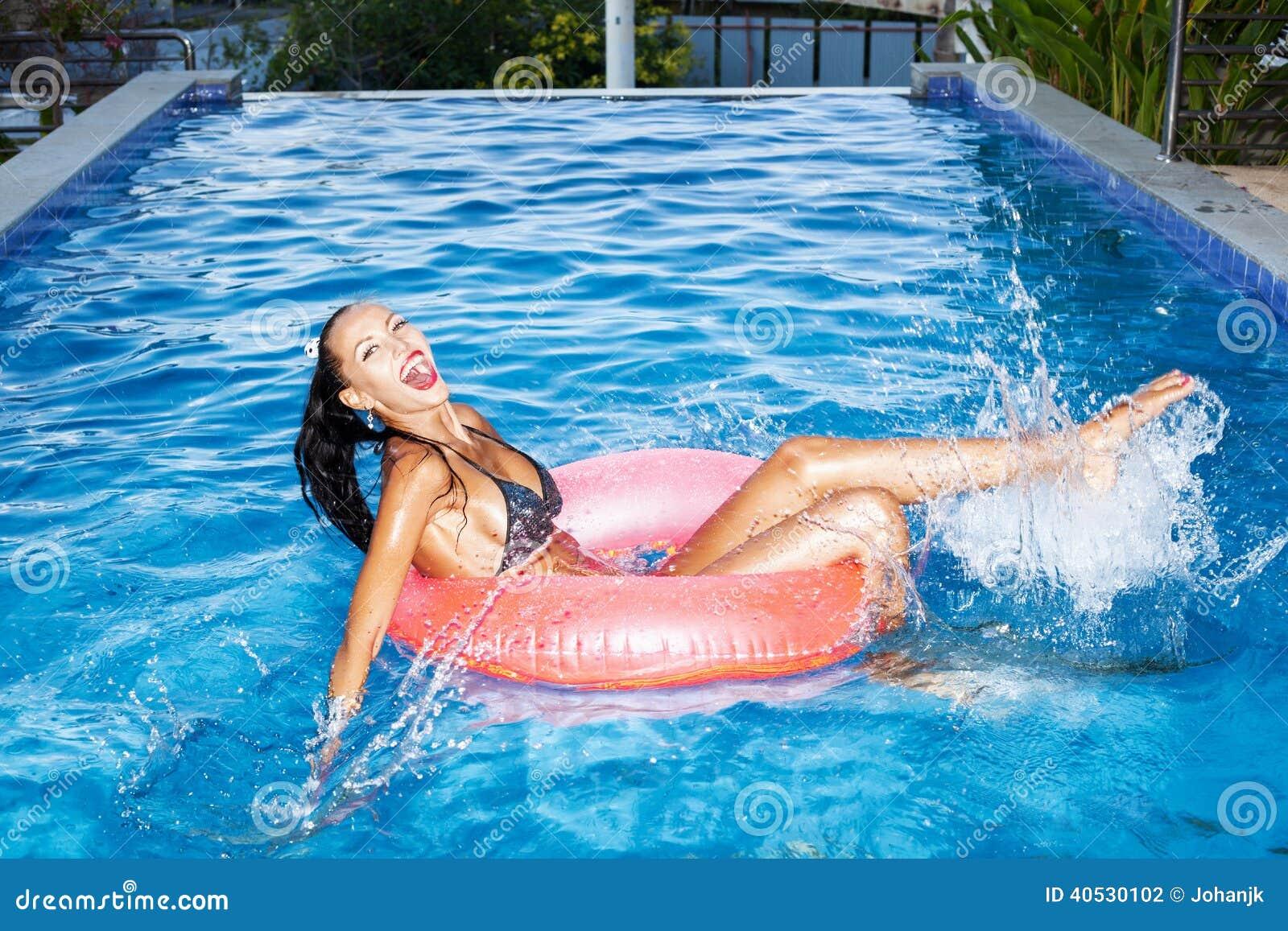 Как сделать так чтобы вода в бассейне не портилась