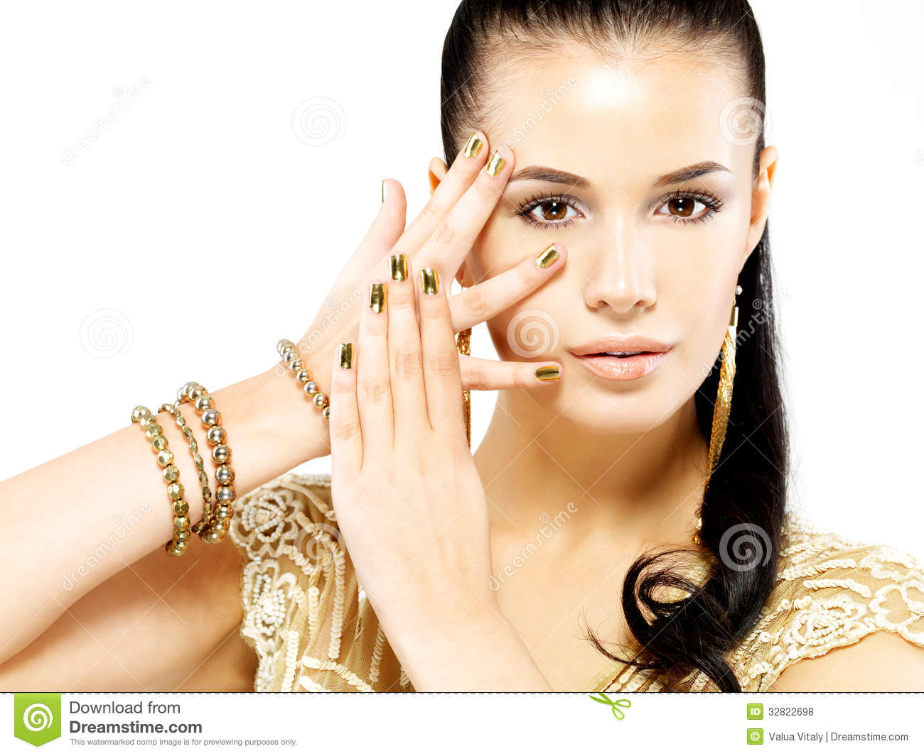 Woman With Golden Nails And Beautiful Gold Jewelry Royalty ...