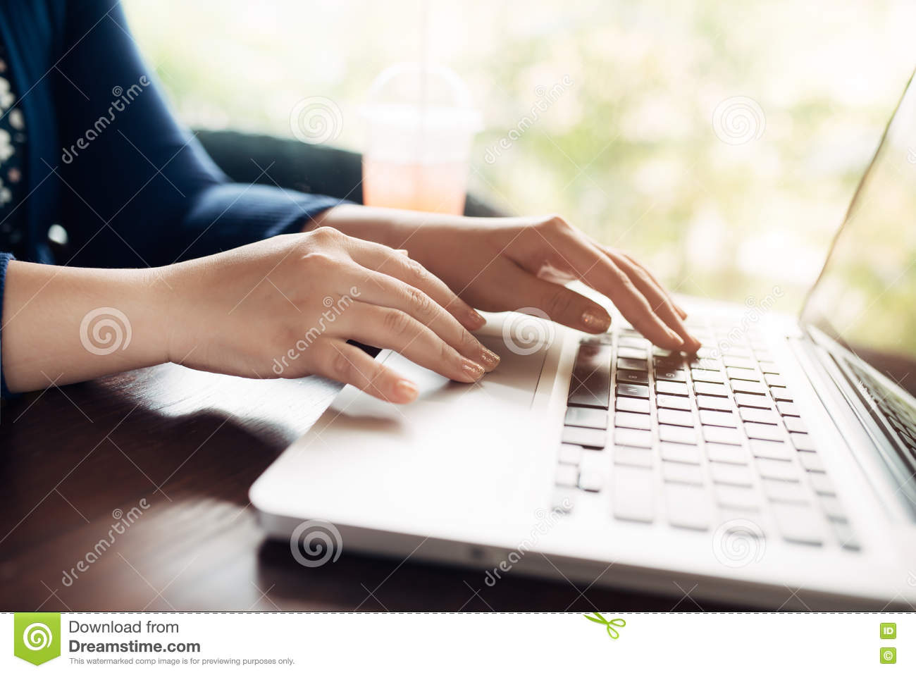 woman hands working with a laptop in a coffee shop stock image image of breakfast generic. Black Bedroom Furniture Sets. Home Design Ideas