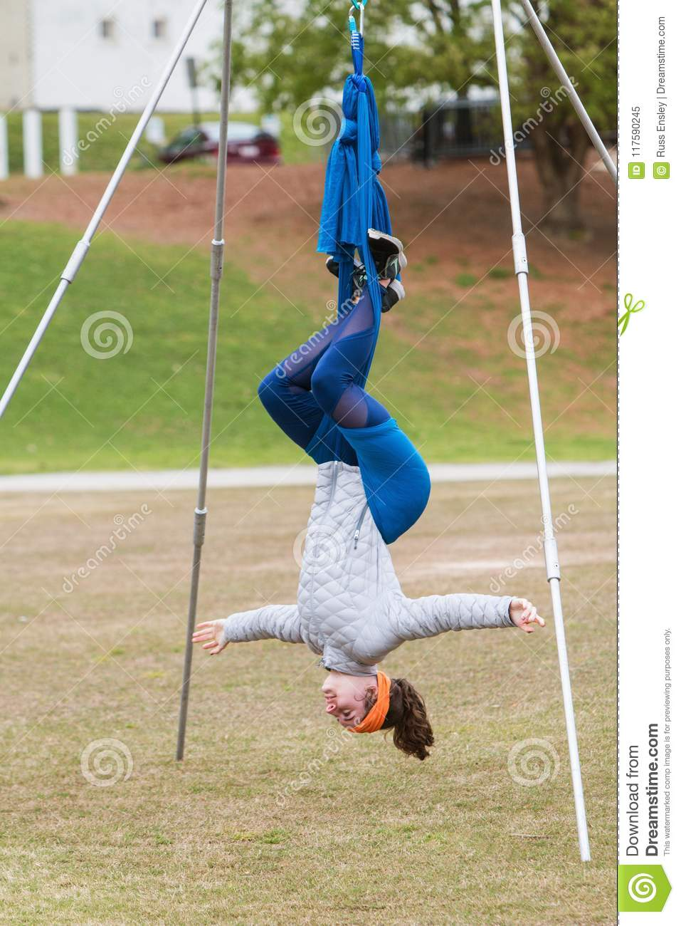 Woman Hangs Upside Down In Atlanta Aerial Yoga Class Editorial Image Image Of Extended Concentration 117590245