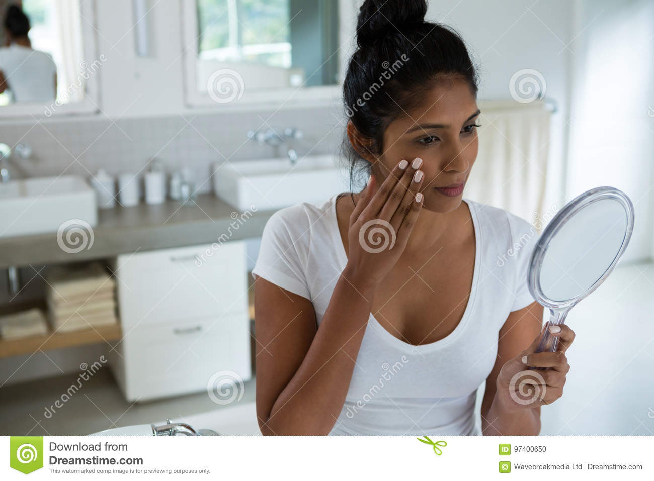 woman holding hand mirror. Download Woman Holding Hand Mirror Stock Photo. Image Of Homey - 97400650 Y