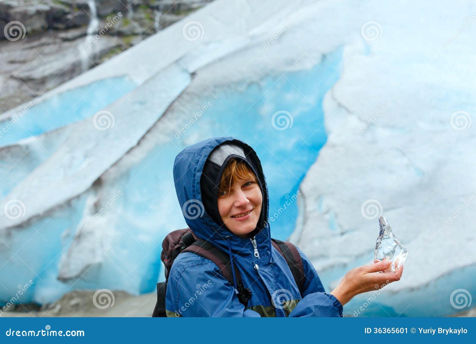 Women in ice — 9