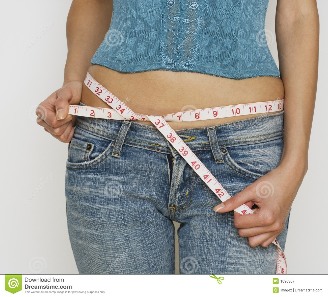 Apr 22,  · It's actually sometimes more confusing with dress pants sizing, but for a different reason - some dress pants are vanity sized, especially low rise ones from mass marketers, who size them like jeans (above), while others are sized by an exact measurement of the waist.