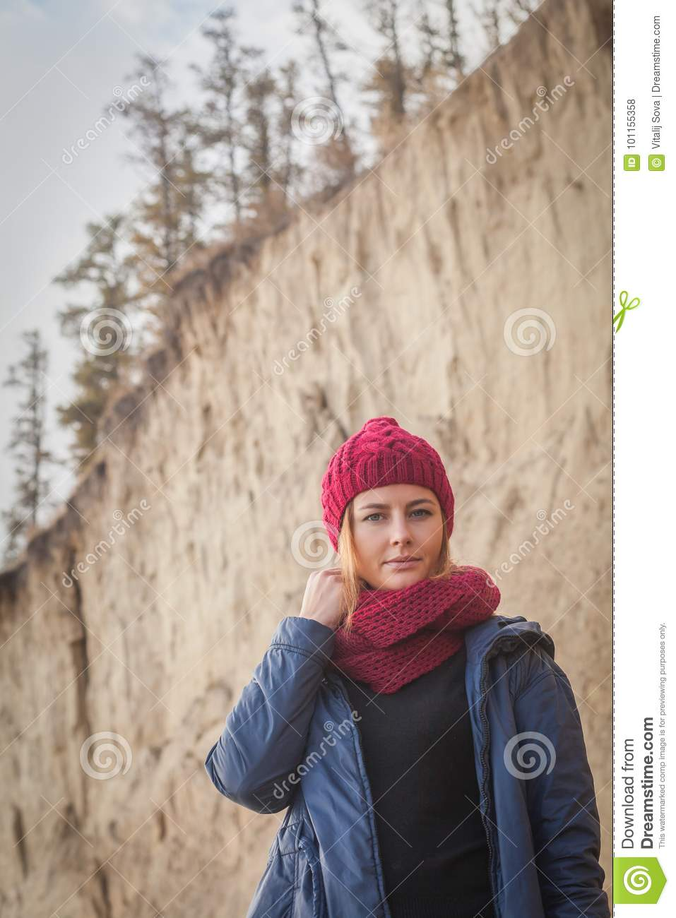 8800b4310 Woman In A Knitted Cap Walking Stock Photo - Image of fashion