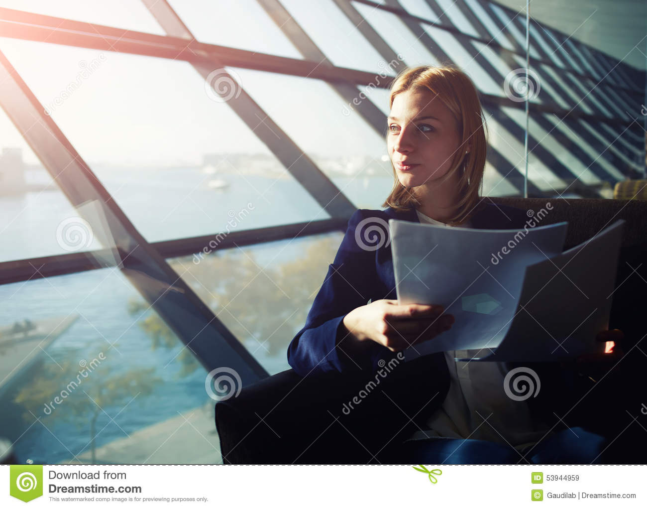 dont look out the window essay Look out the window is look+[out the window] you look where out of window q did you look out the window a yes, sir q hi, i don't want to add any general comments to this long discussion i just want to add a very brief idiomatic note about trees.