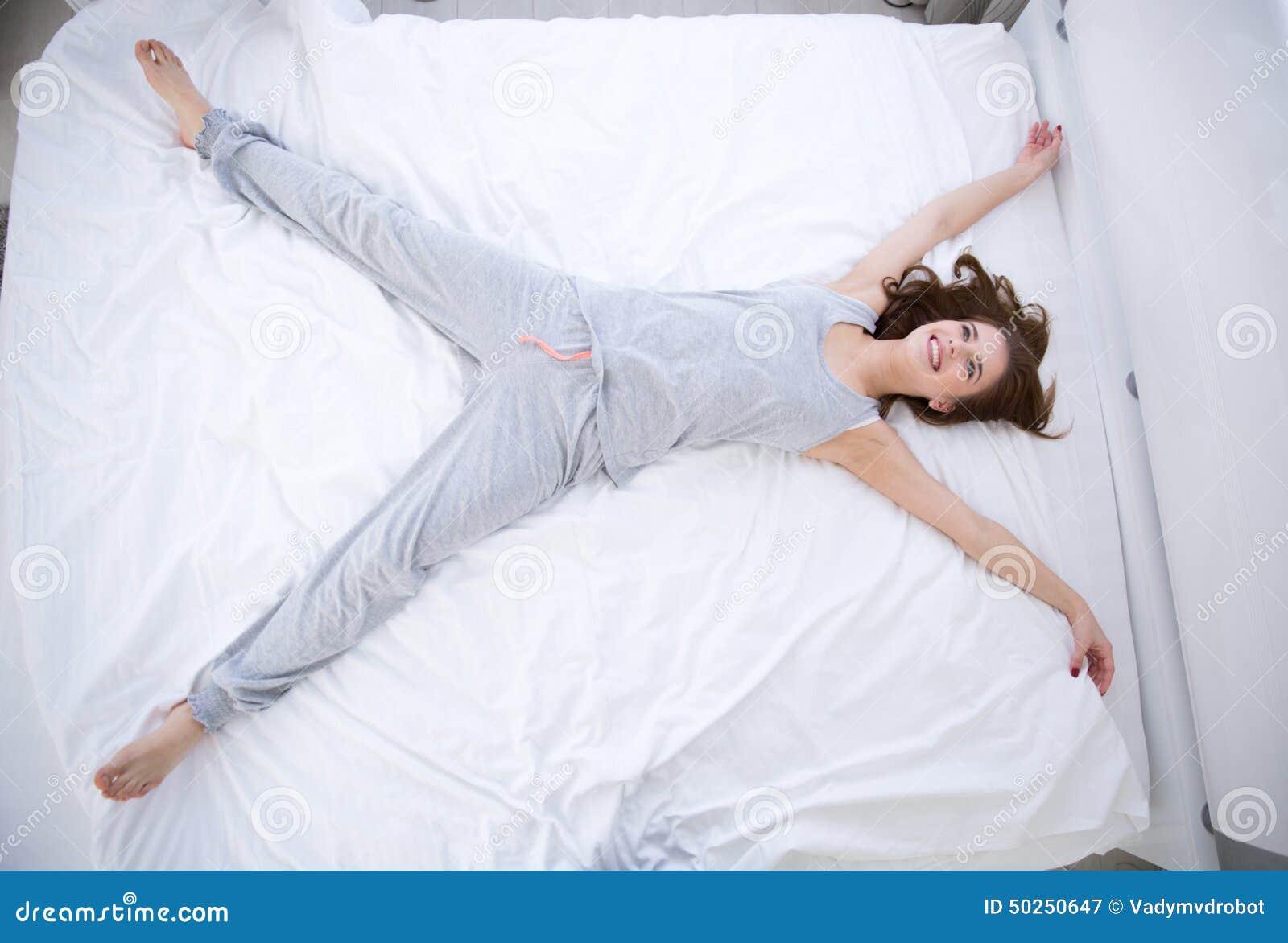 Секс с привязанной девушкой на дому, Порно видео онлайн: ДомашнееБондаж и связывание 21 фотография