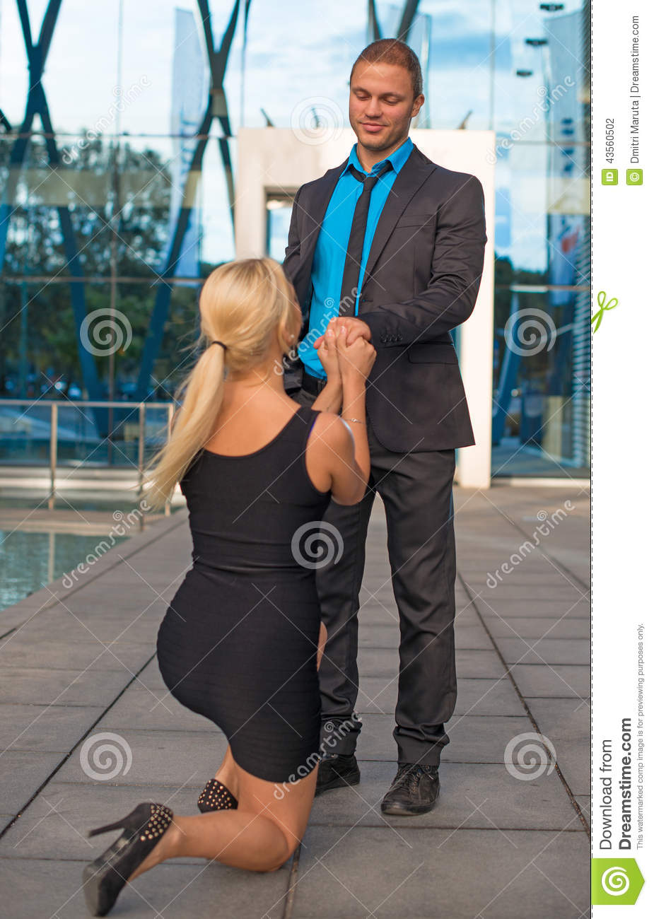 How to make a man propose to a woman
