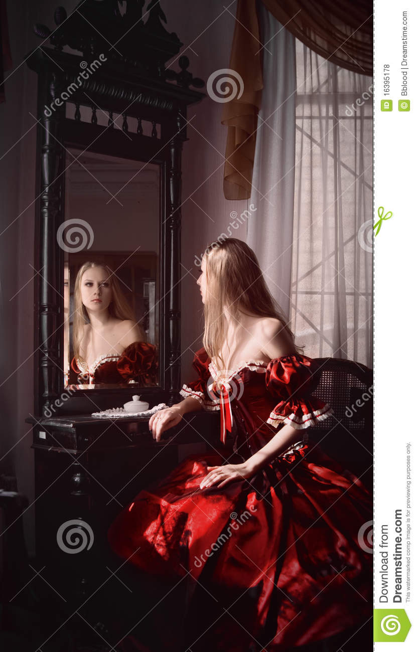Woman And Mirror Royalty Free Stock Photos Image 16395178