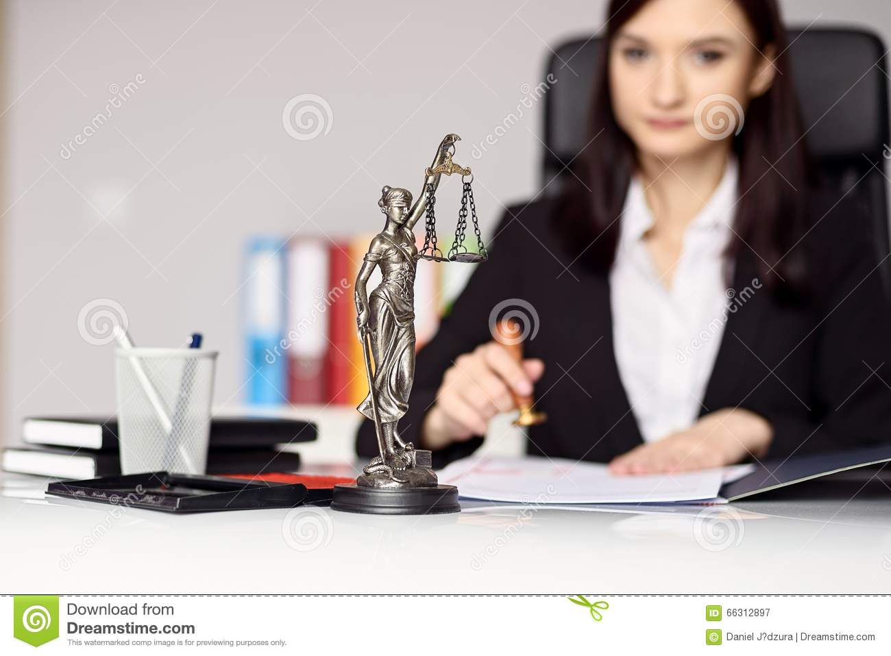 How to Easily and Affordably Start a Notary Business