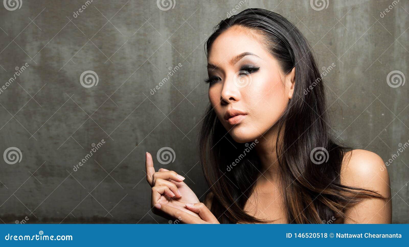 Woman open shoulder, fashion make up wet look