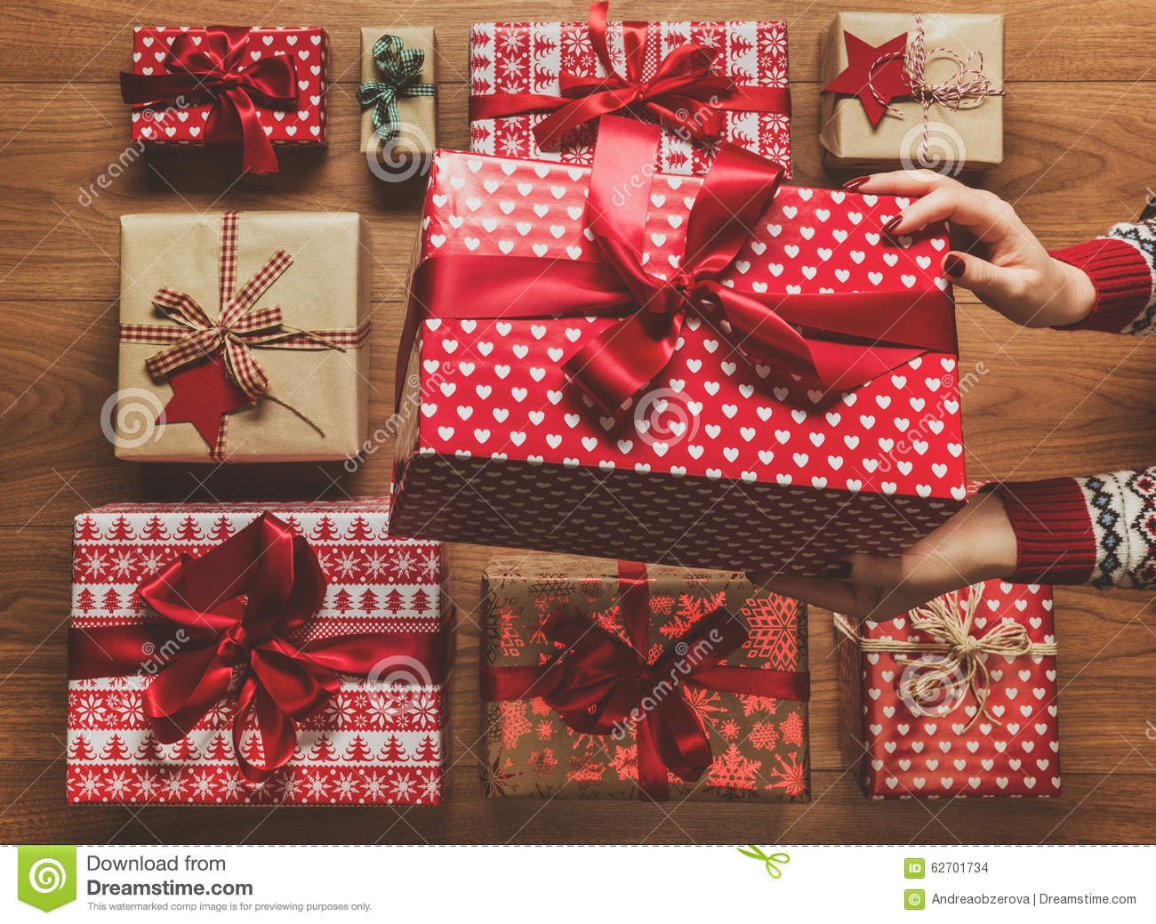 beautifully wrapped christmas presents
