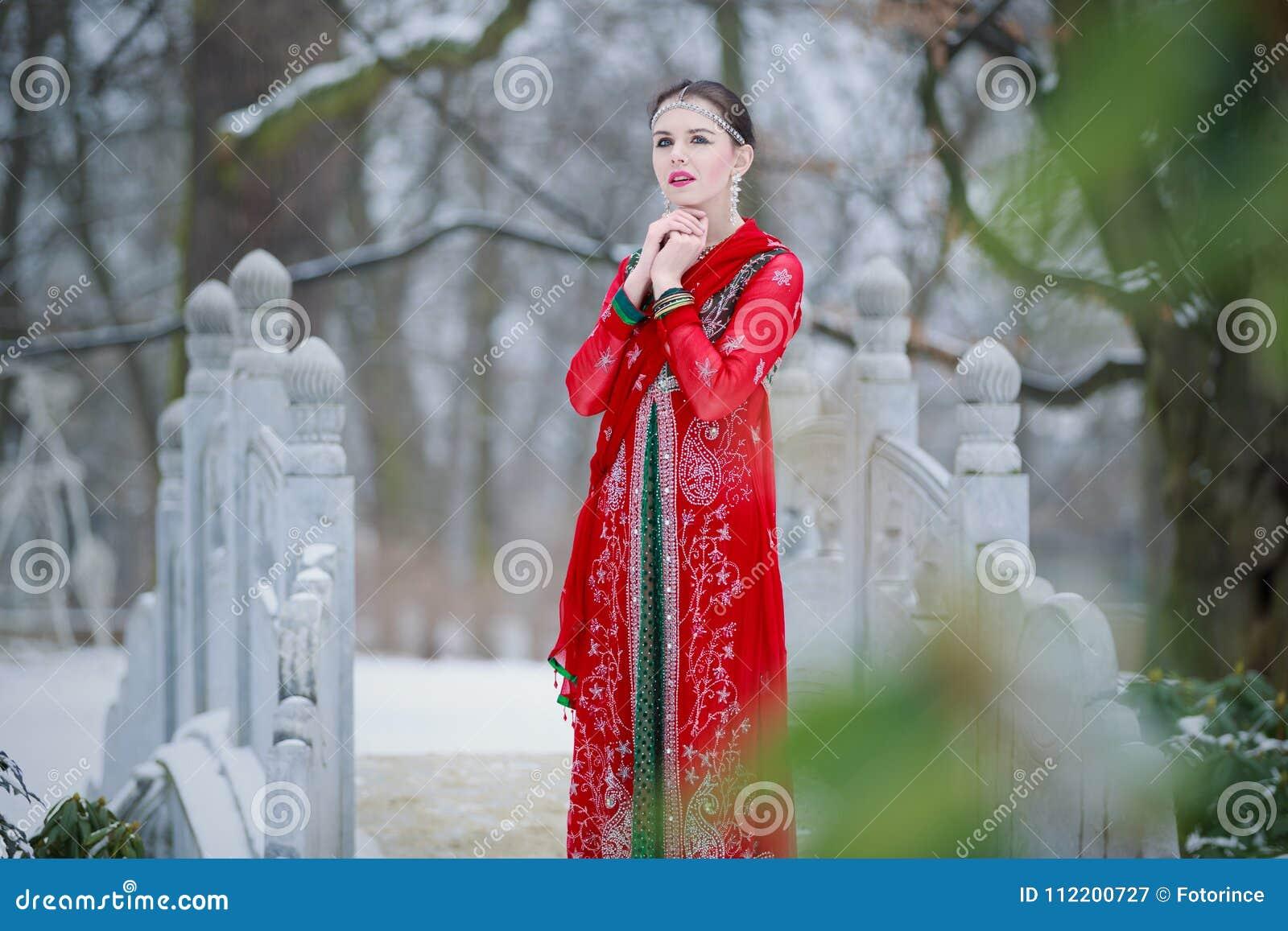 Skinny amateur wife posing