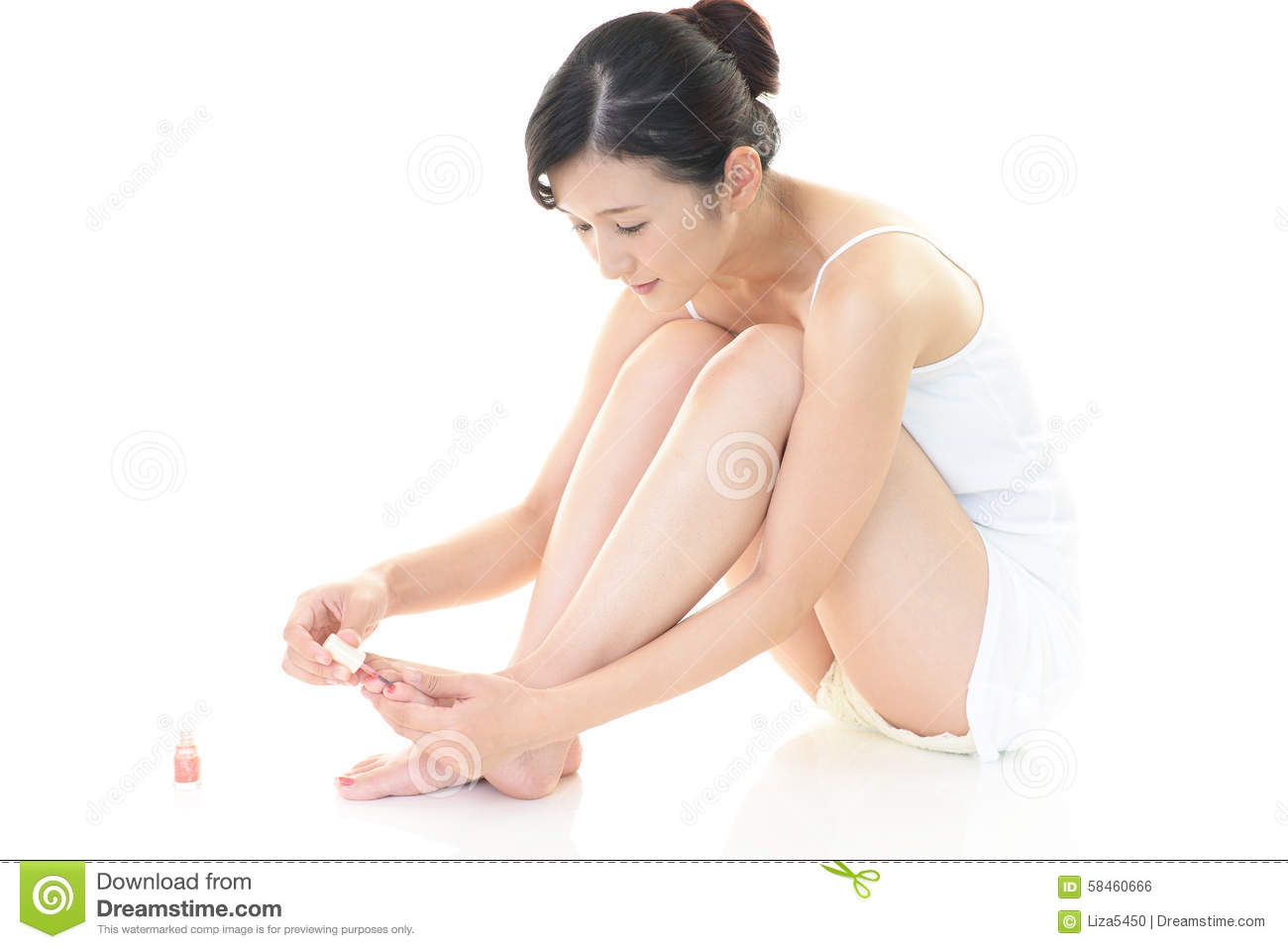How To Paint Your Toes At Home