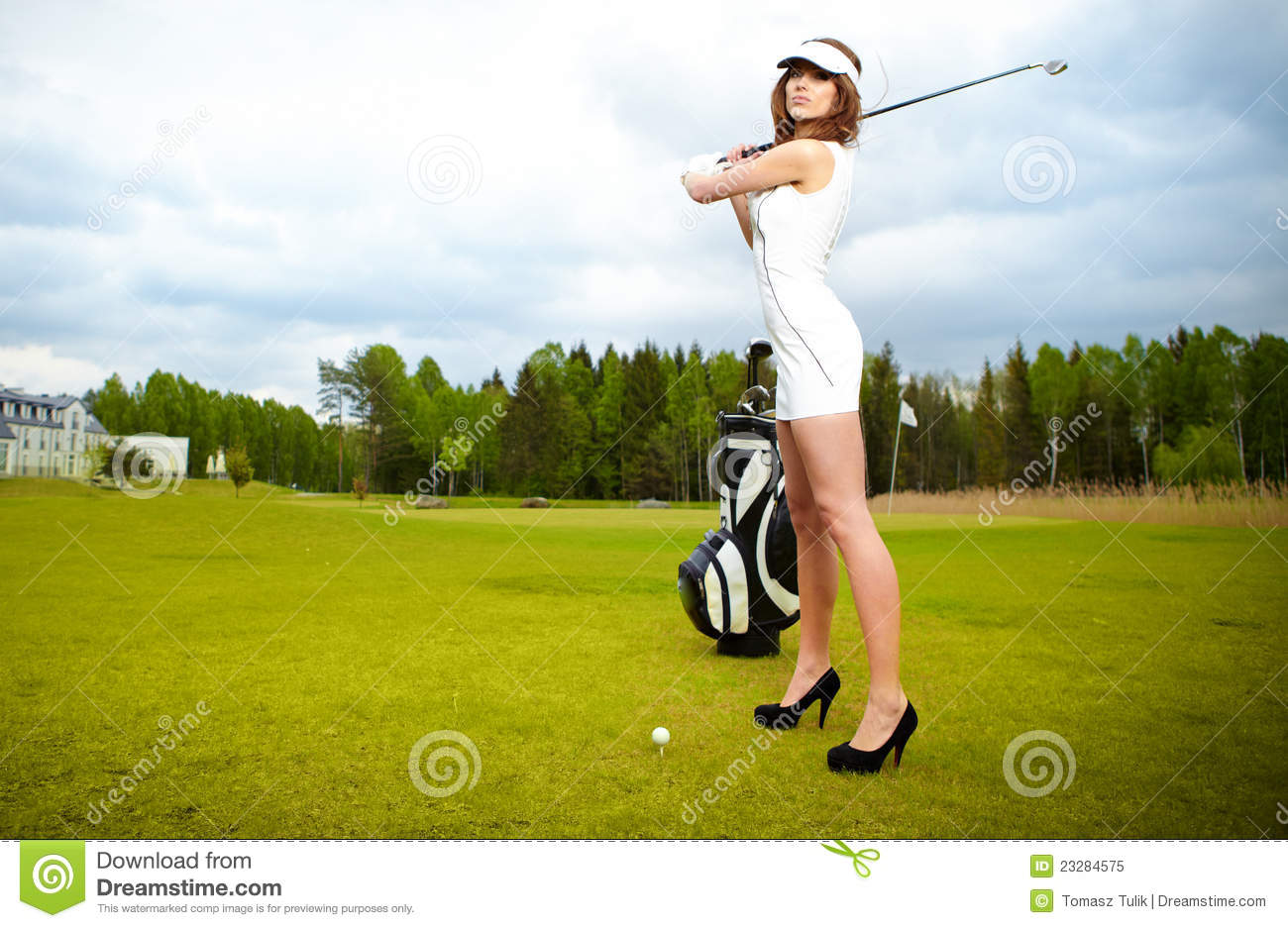 Woman Playing Golf On A Green Royalty Free Stock Photo - Image ...